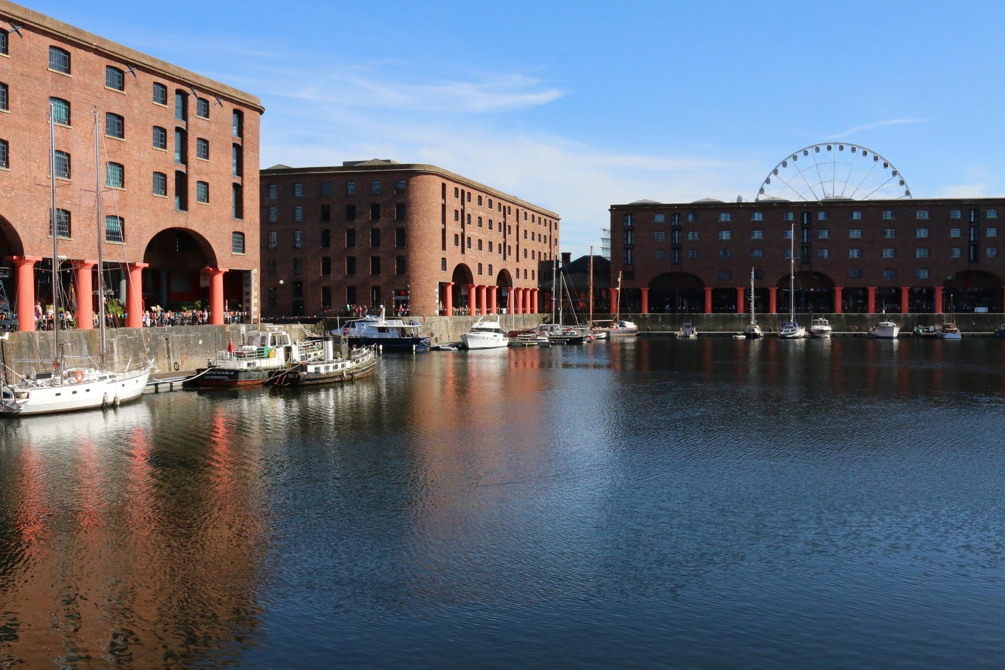 Royal Albert Dock, Liverpool by Kevhyde