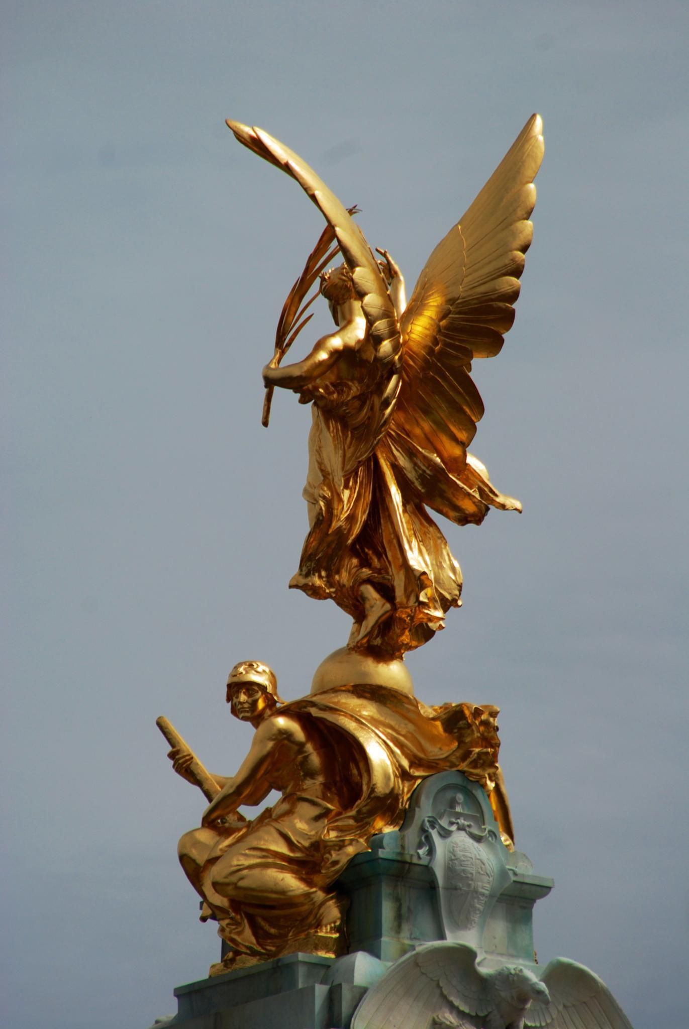 Golden Statue by SteveR