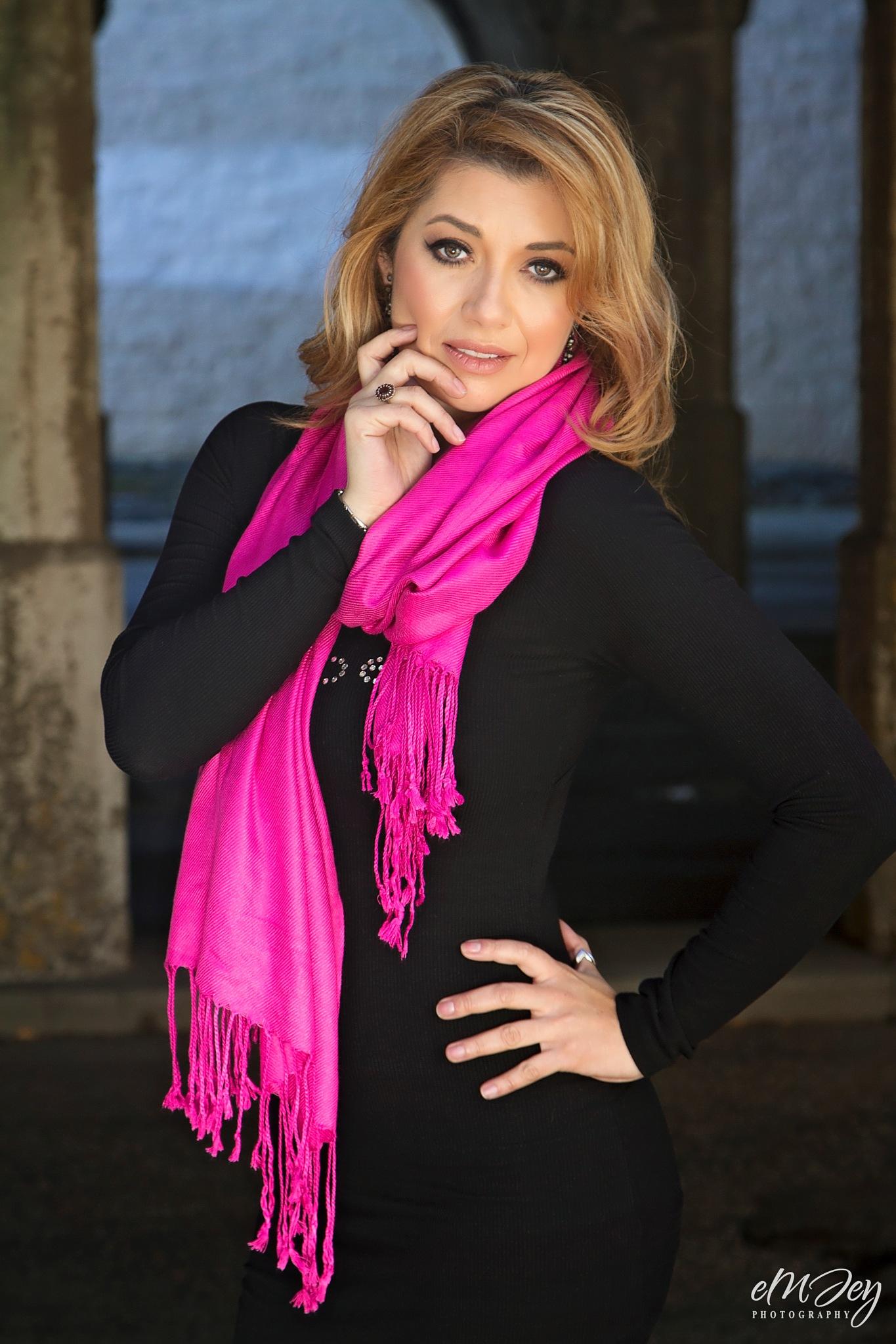 Pink scarf by eMJey