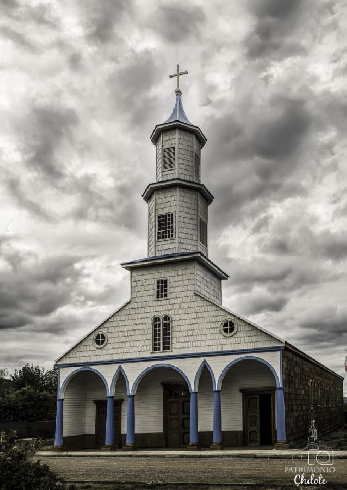 Iglesia de Rilan, Chiloé, Chile by ecabello