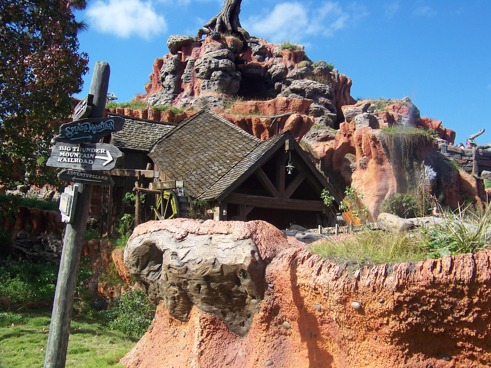 Thunder mountain railroad by Julie
