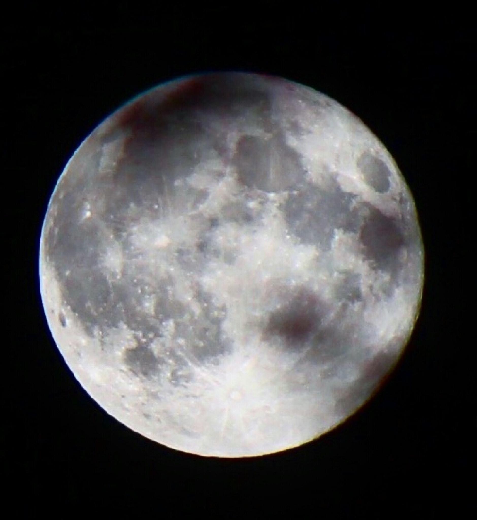 Full moon by LANA