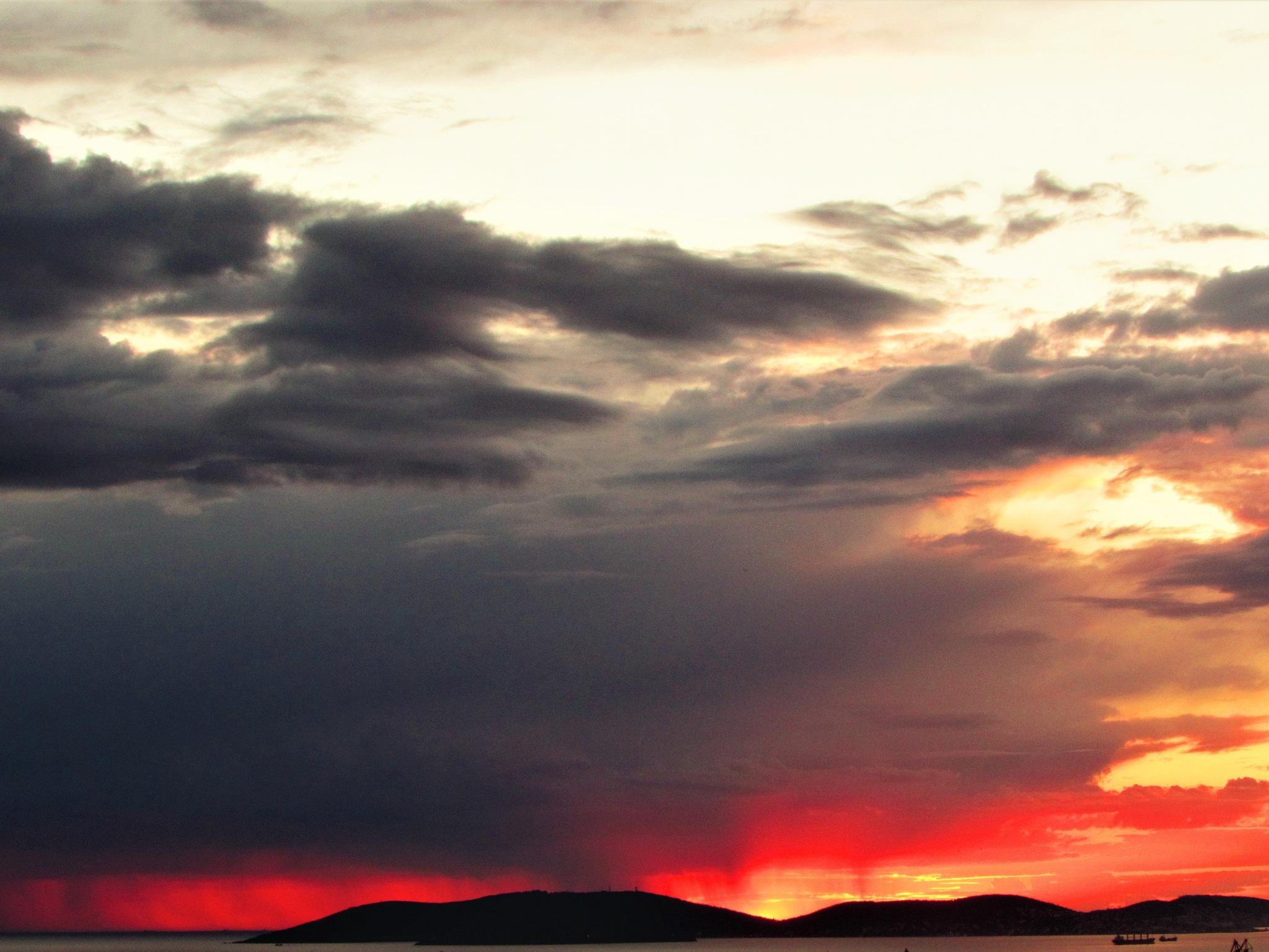 SUNSET AT İSTANBUL by nejatgencer