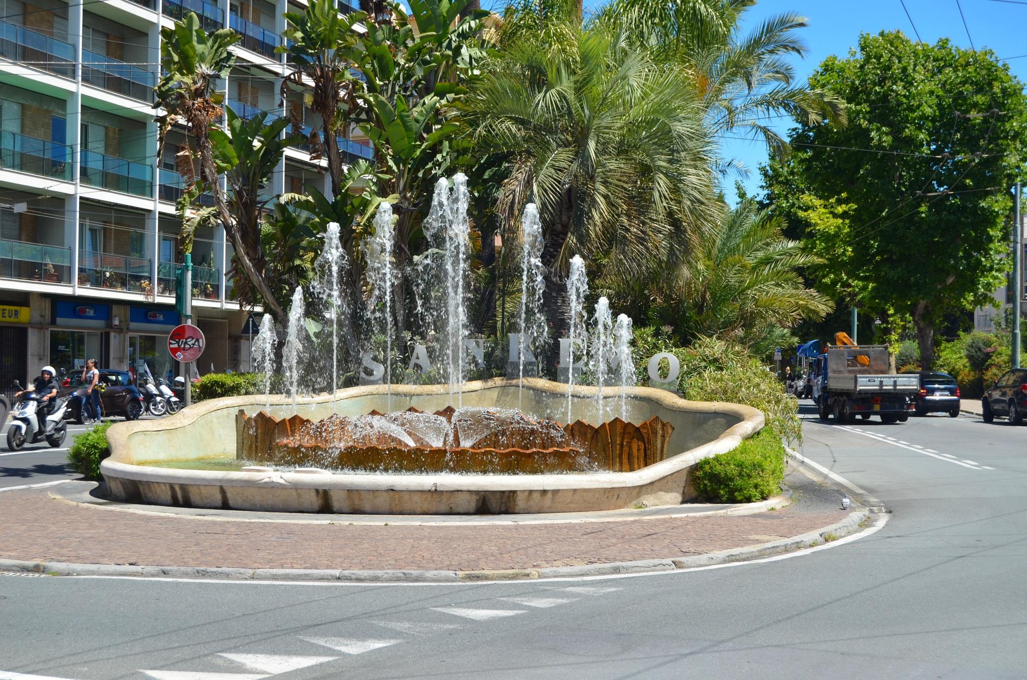 Fountain by leo van den Broeck