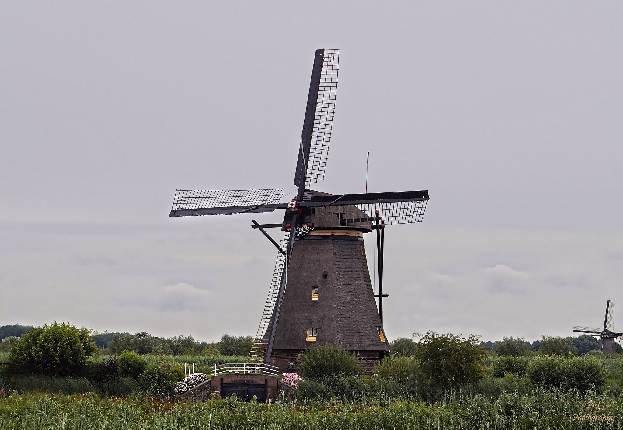 mills Kinderdijk... by PWaardenburg