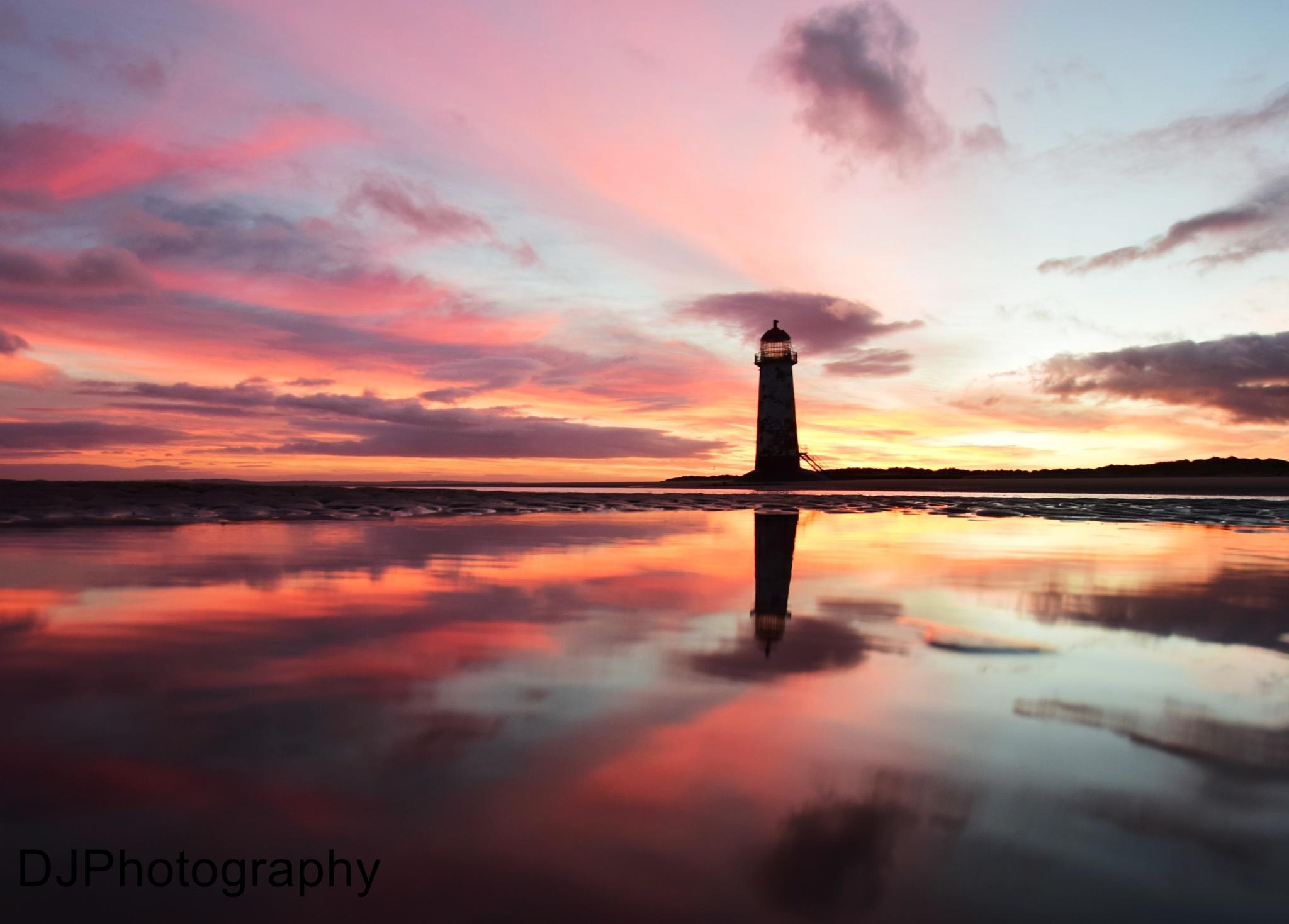 Talacre Lighthouse by smudgesmat