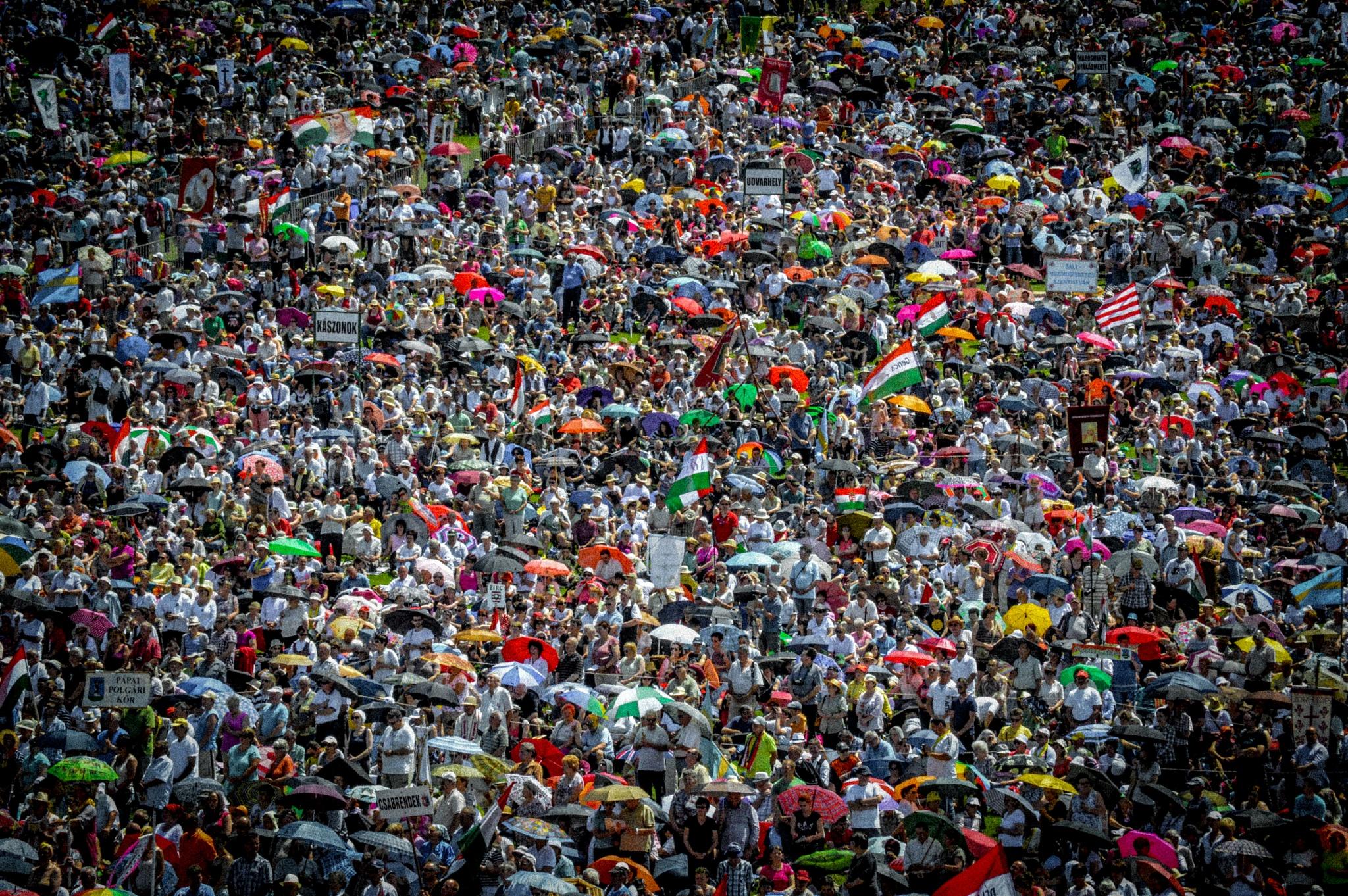 Crowd. by Kormi
