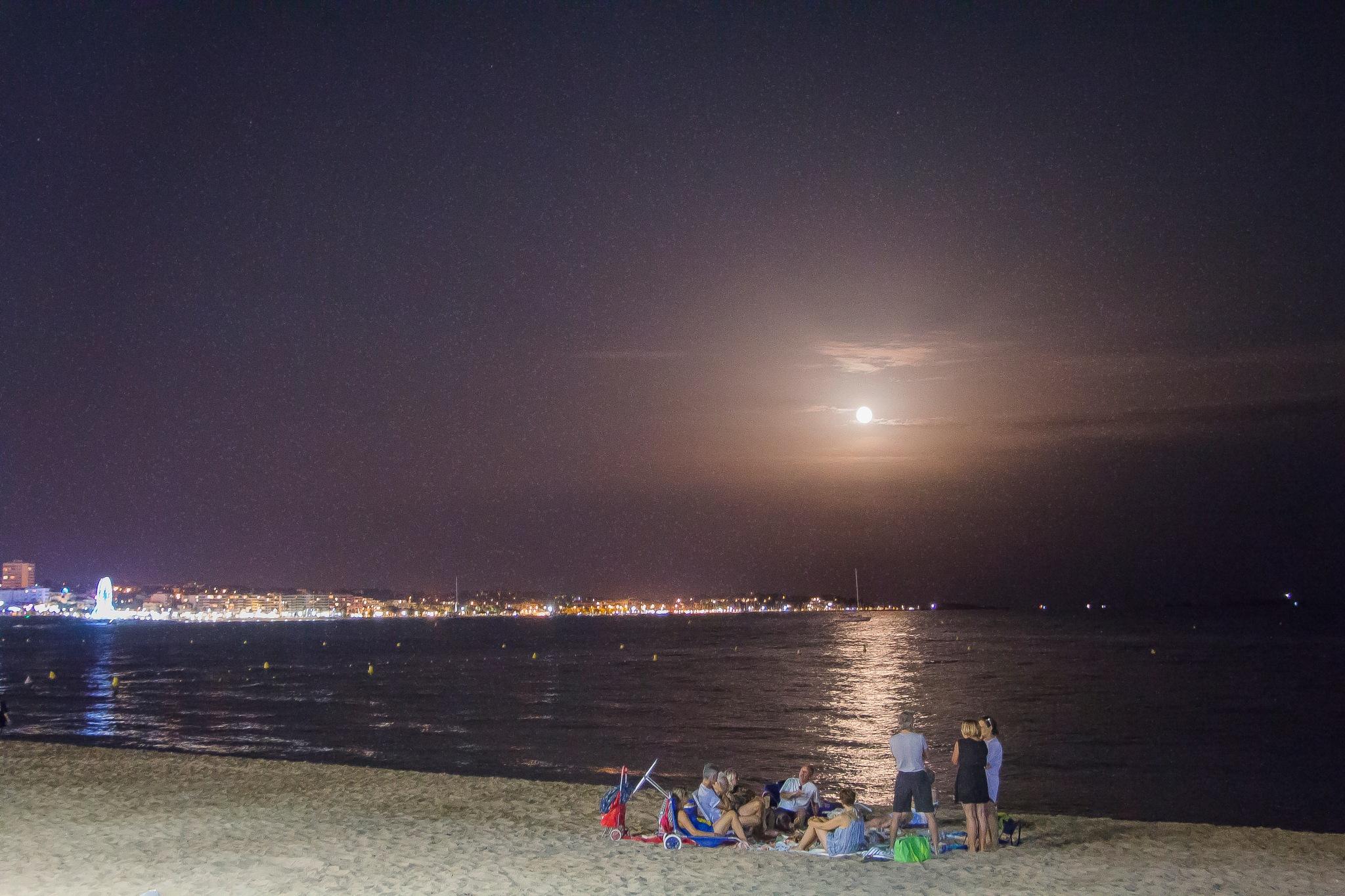 Enjoying the beach under the moonlight by djaffar adane