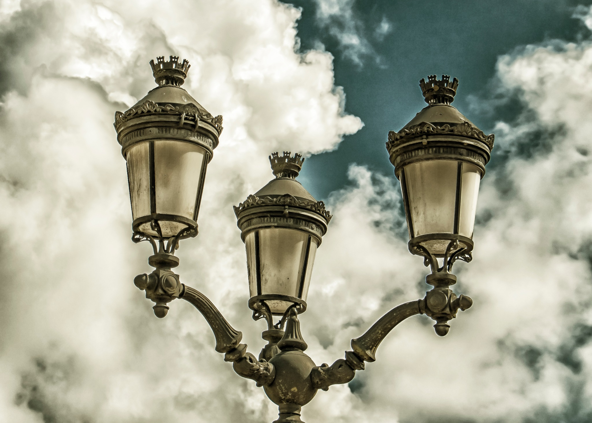 Lamp post by djaffar adane