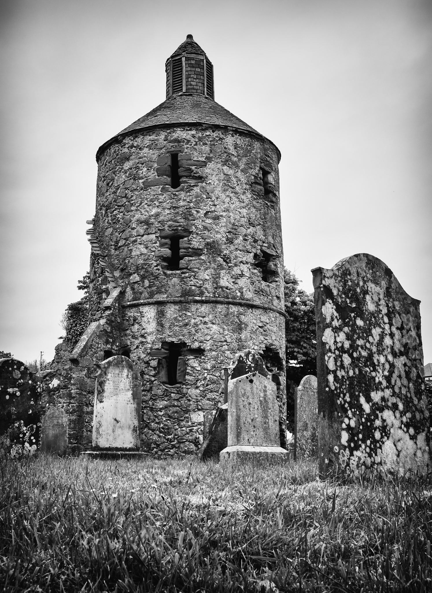 Portpatrick old cemetery by Mole59