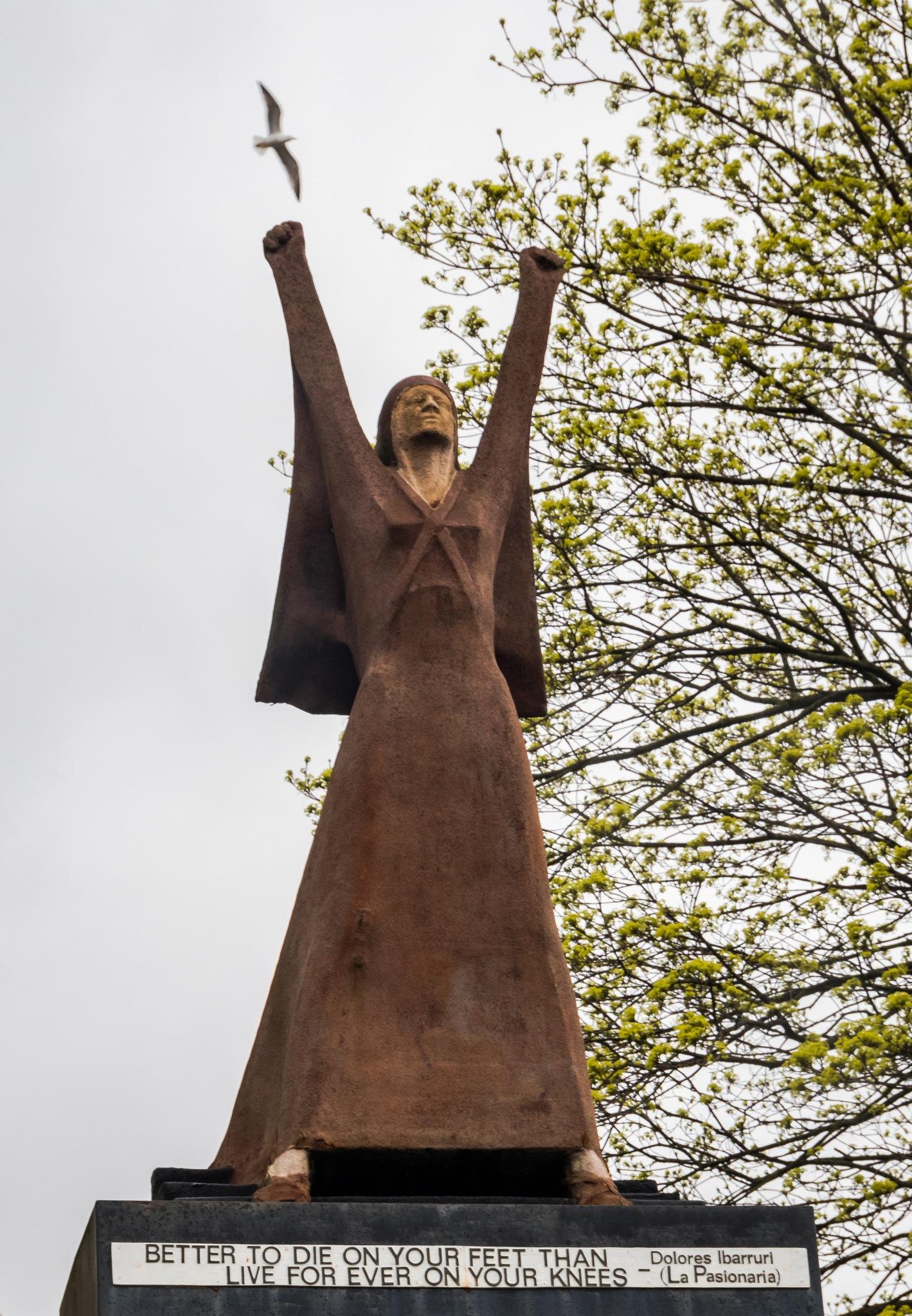 Statue by Mole59