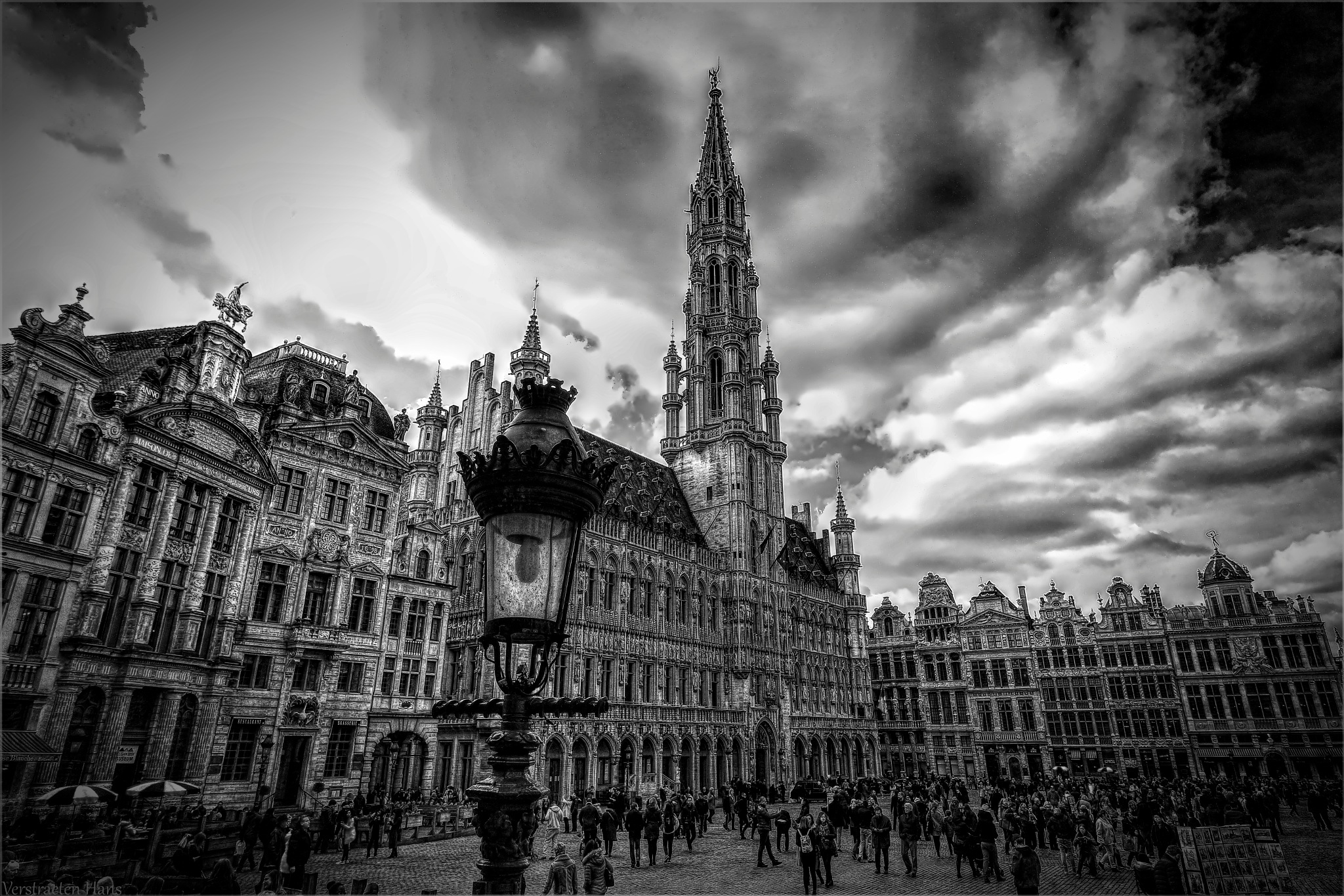 Grand Place Brussels by zard319