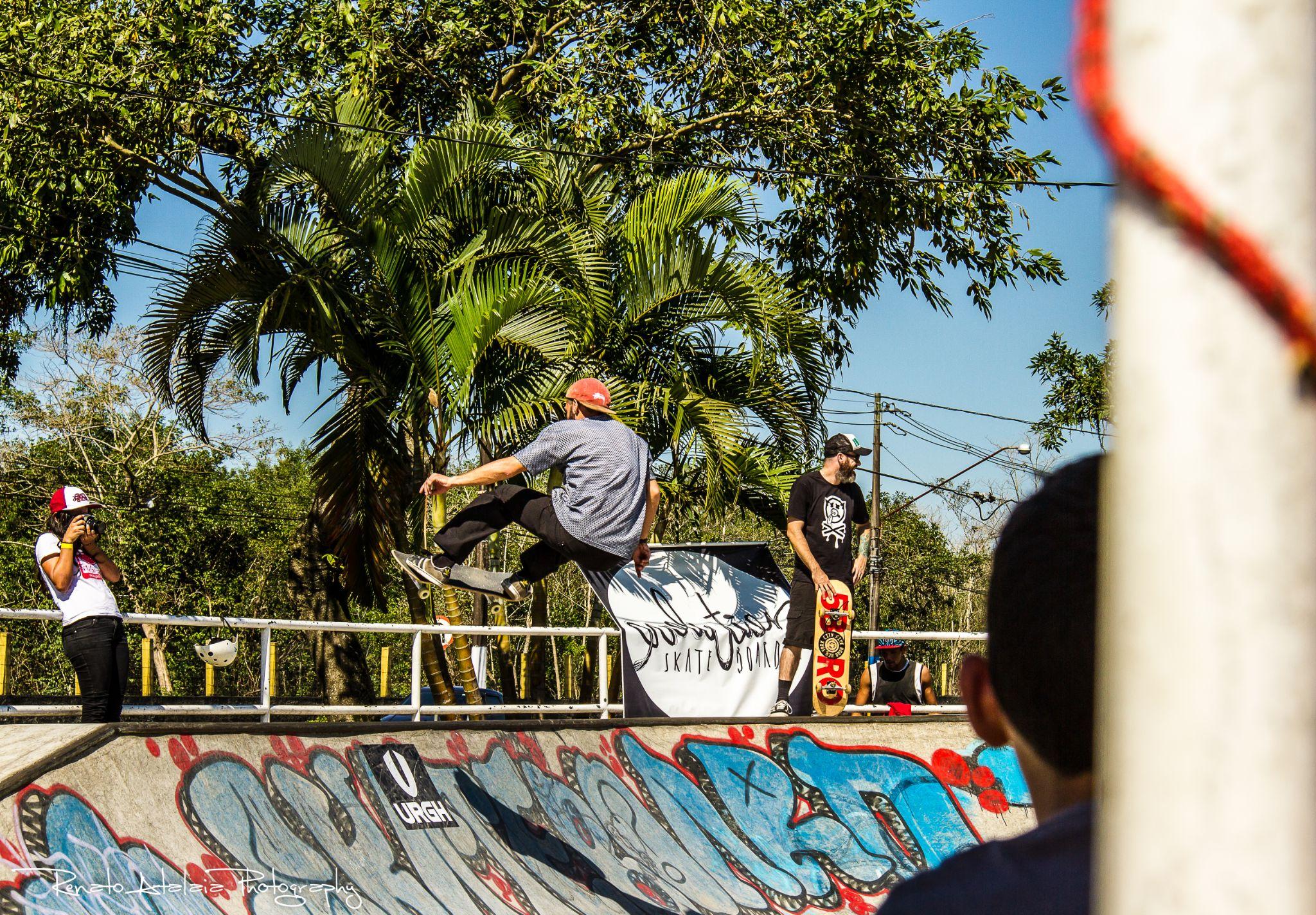 skatebording my life!!! by renatoatalaia