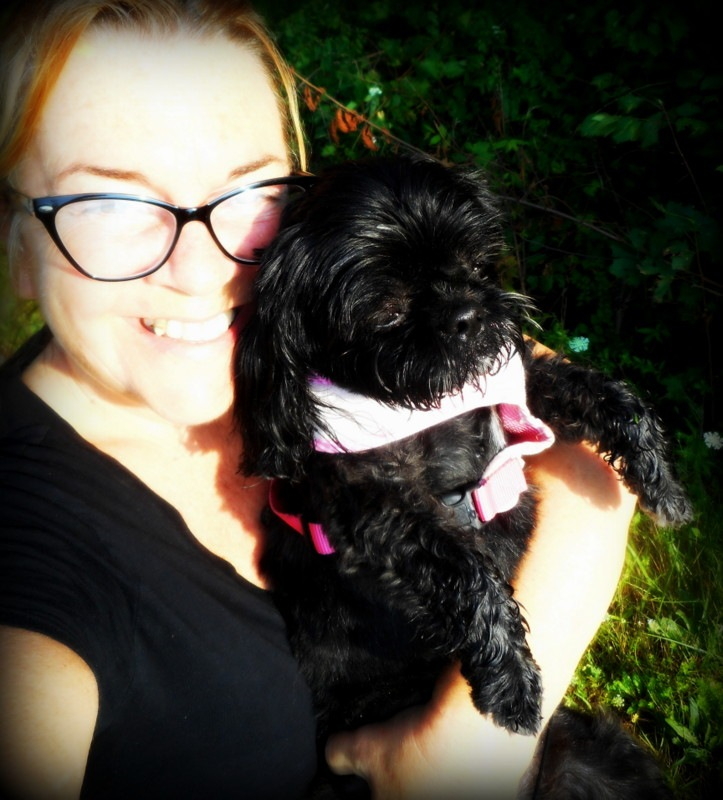 me and my Juliette...just finishing our long walk ! by Munica