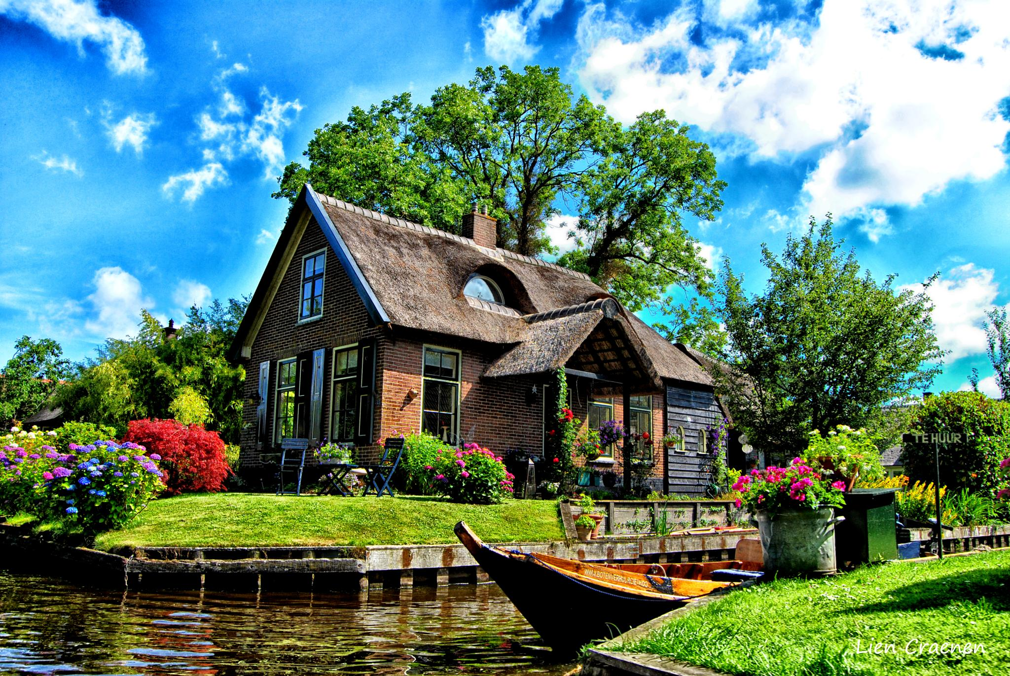 a beautiful place to live by Lien Craenen