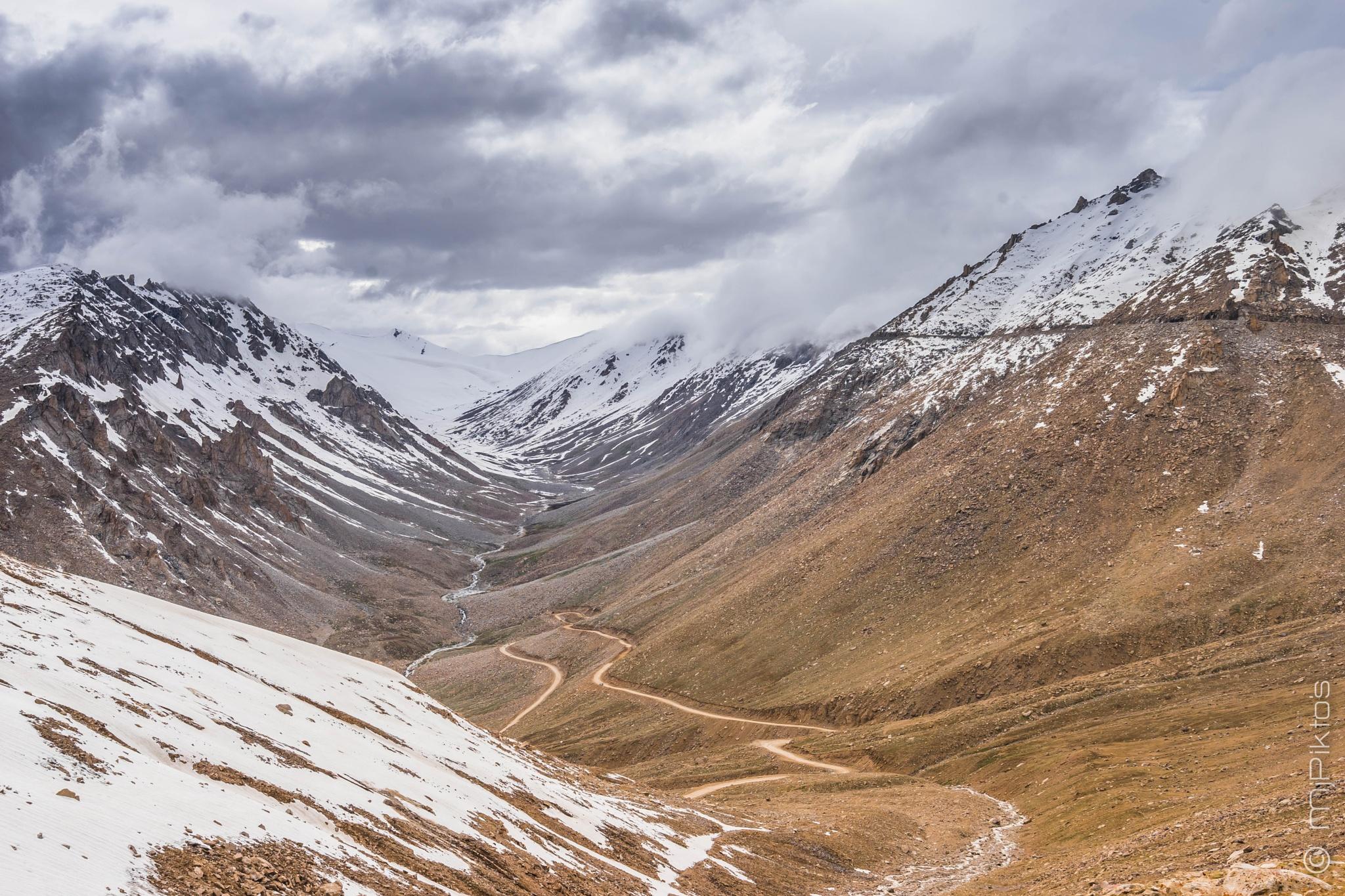 Photo in Landscape #mjpiktos #ladakh #khardungla #highestroad