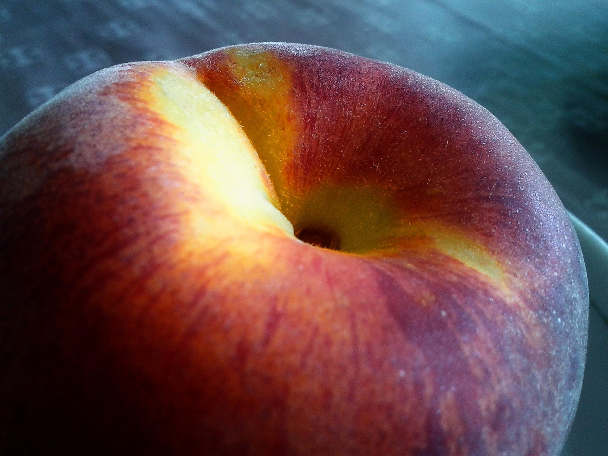 a peach by vlado žura
