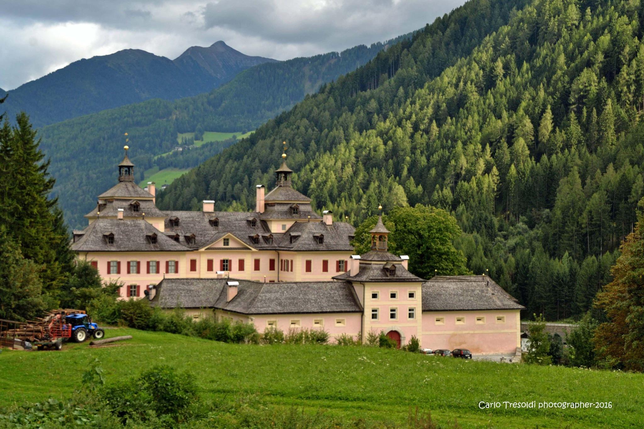 Castel Wolfsthurn by carlo tresoldi