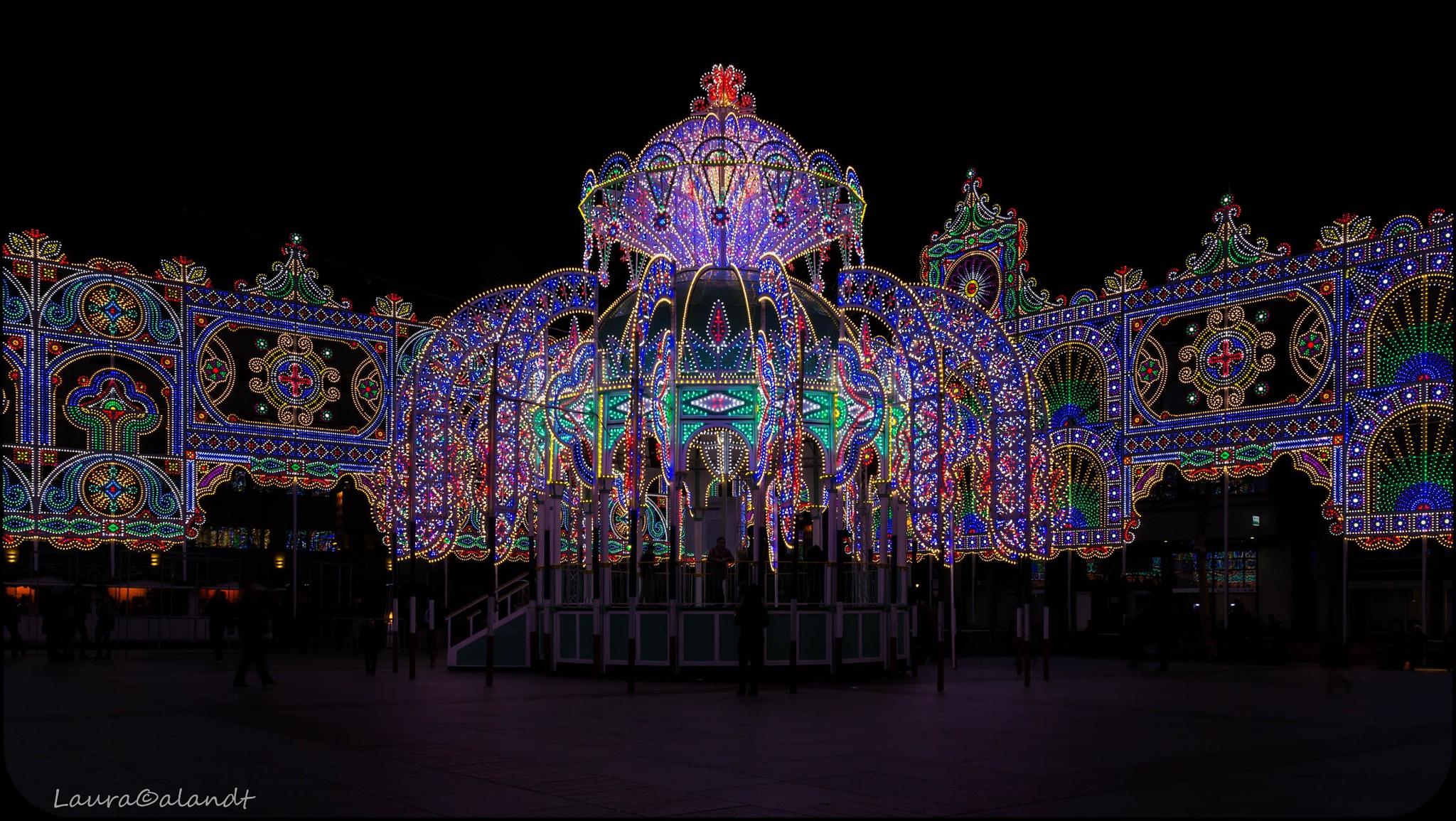 Glowcenter by Laura Calandt