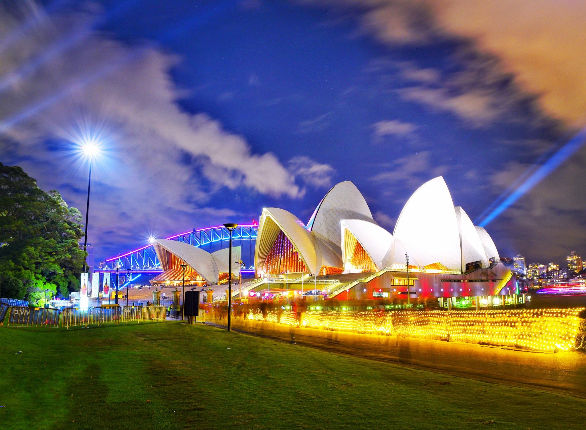 Vivid Sydney 2017 by Theresa Duong