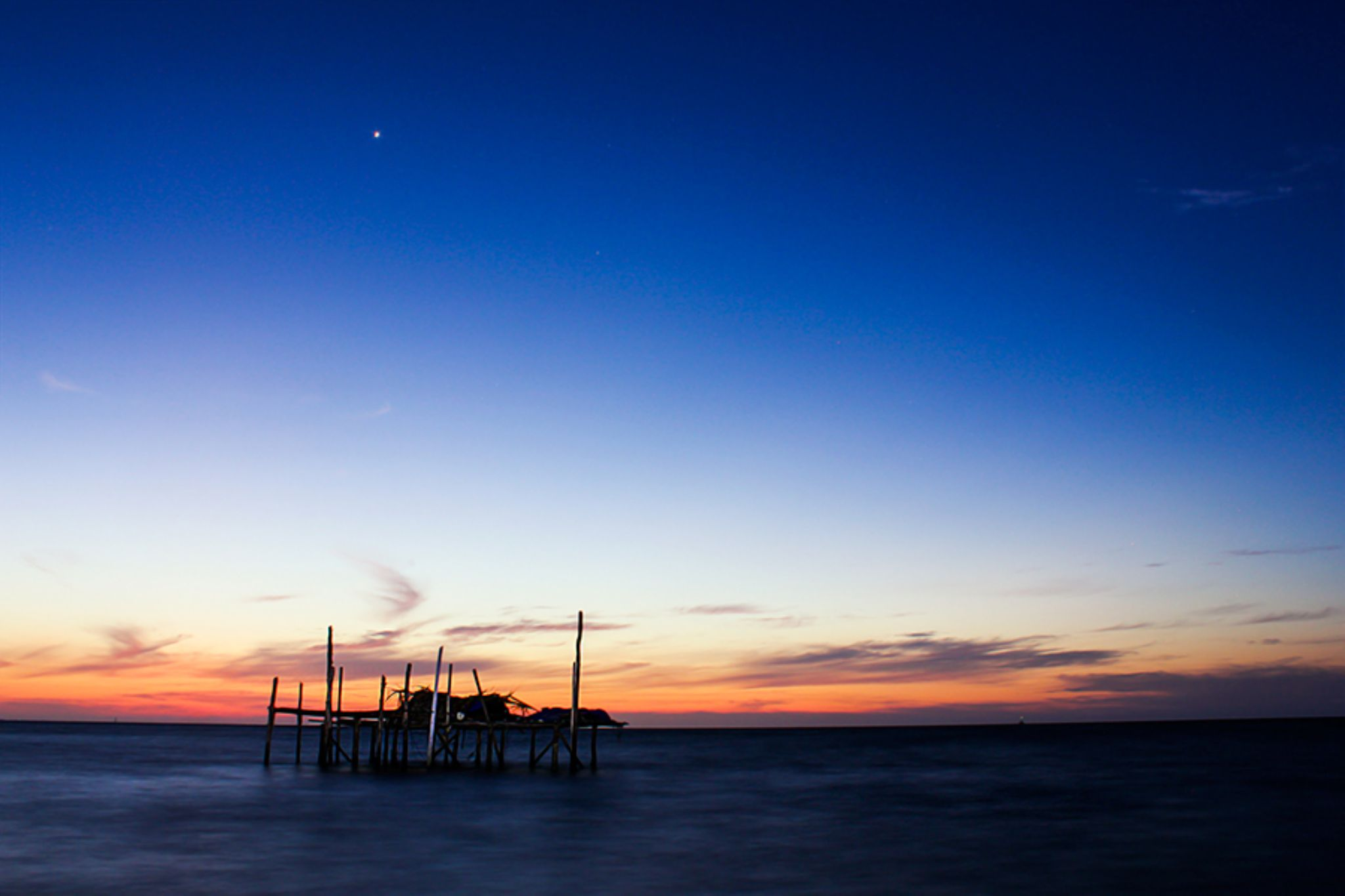 sunrise by khusnizld