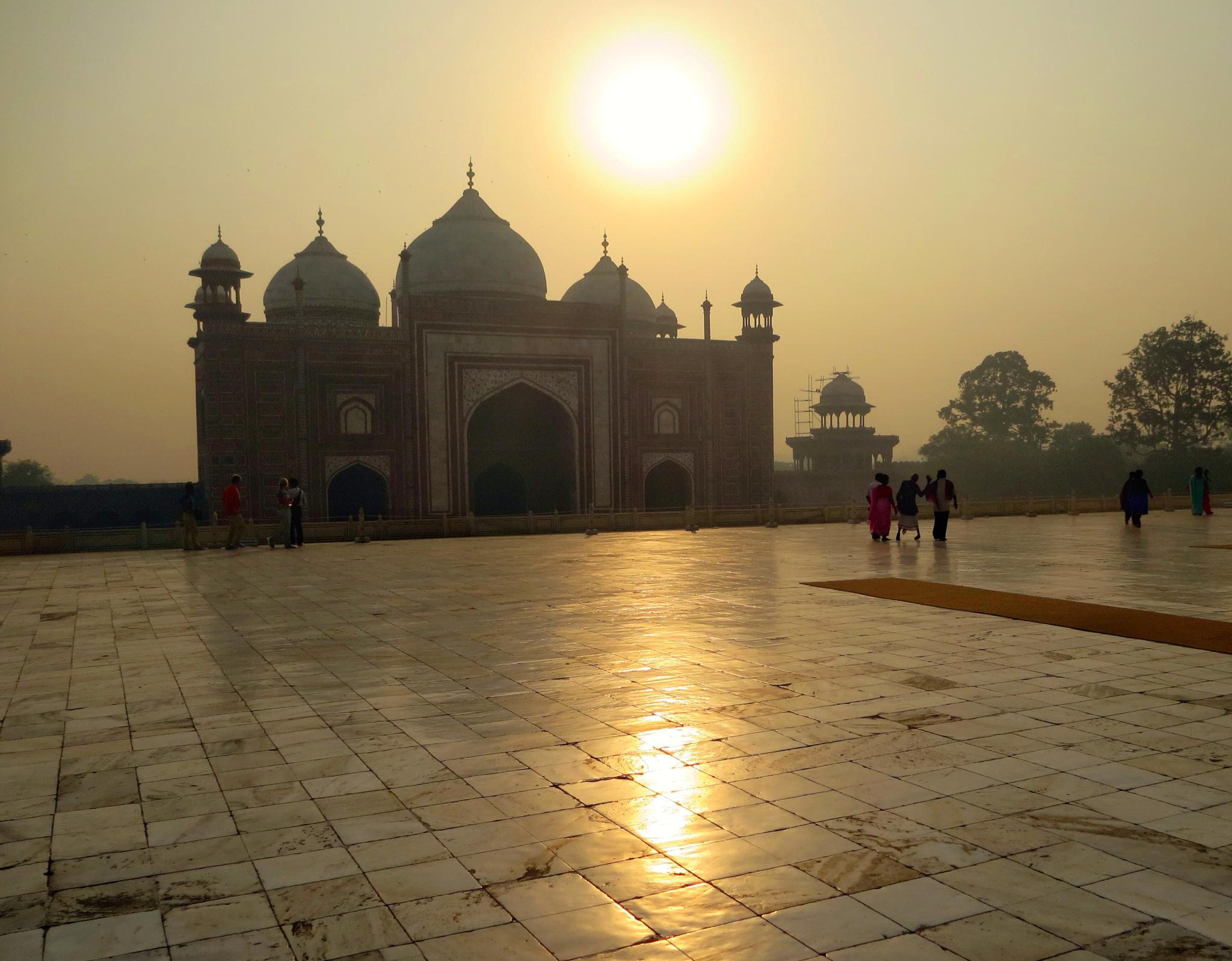 Sunrise near Taj Mahal by Adi Gli