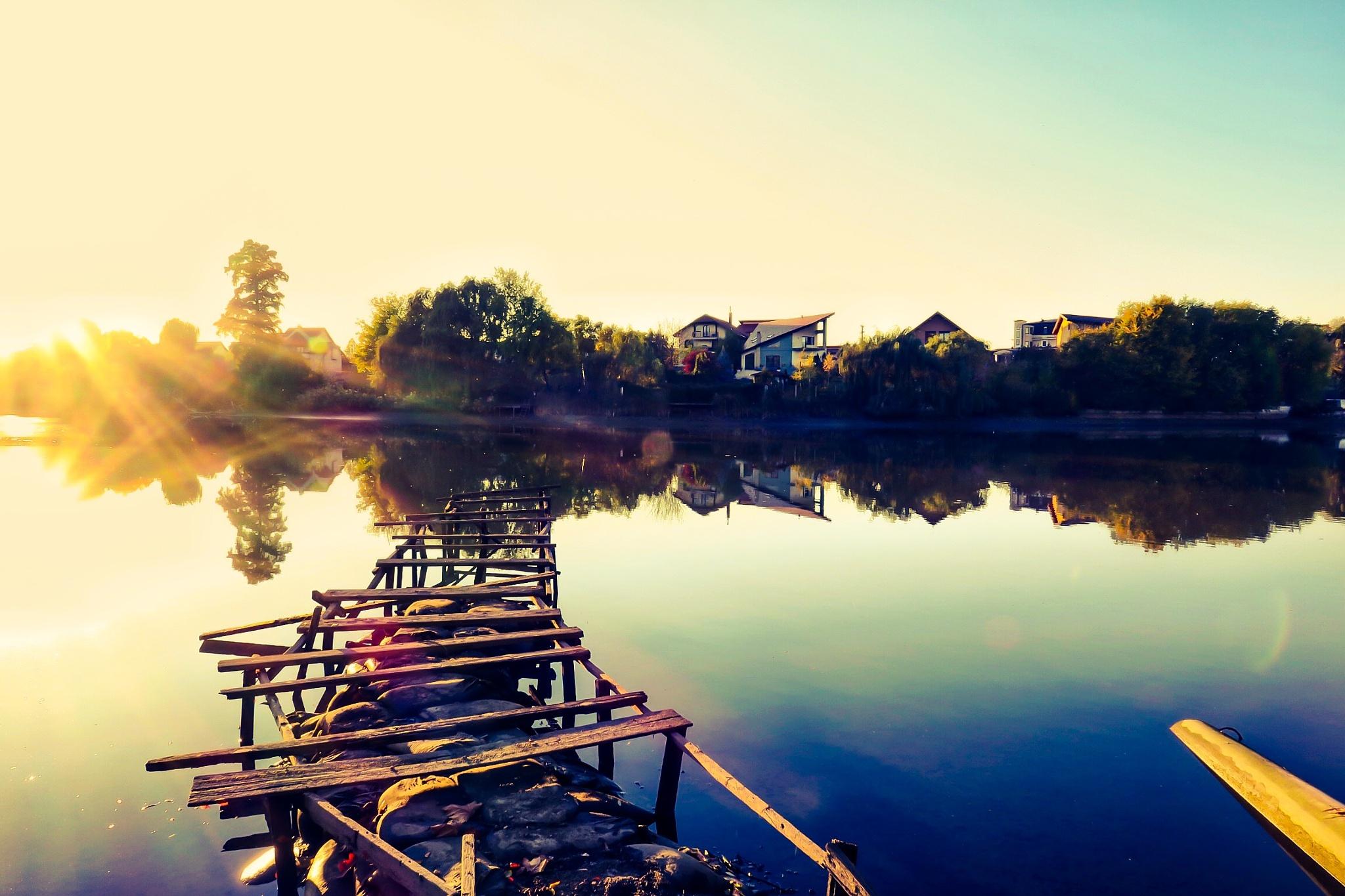 Blue hour on the lake  by Adi Gli