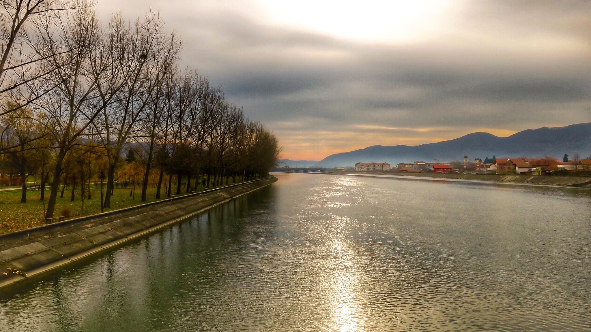 Sun vs Clouds  by Adi Gli