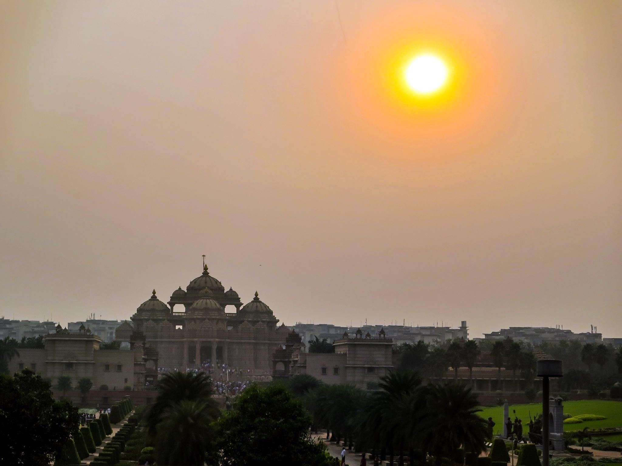 Smog & Sunset in New Delhi  by Adi Gli