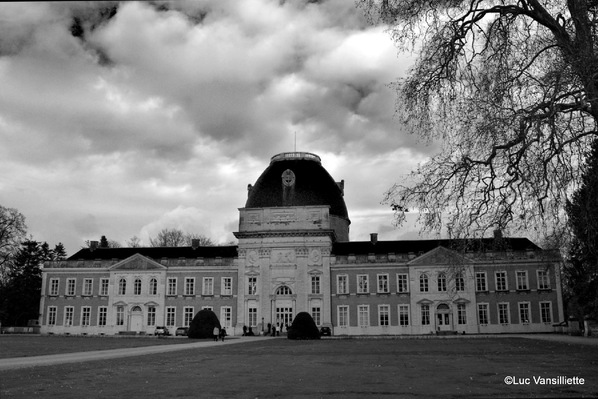 Castle Hélécine in Belgium by Luc Vansilliette
