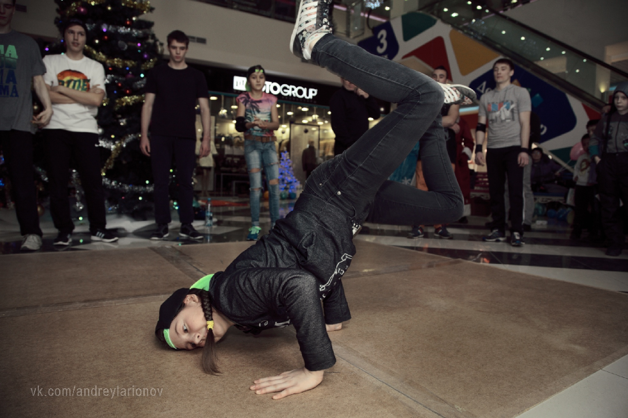 Russian breakdance by AndreyLarionov