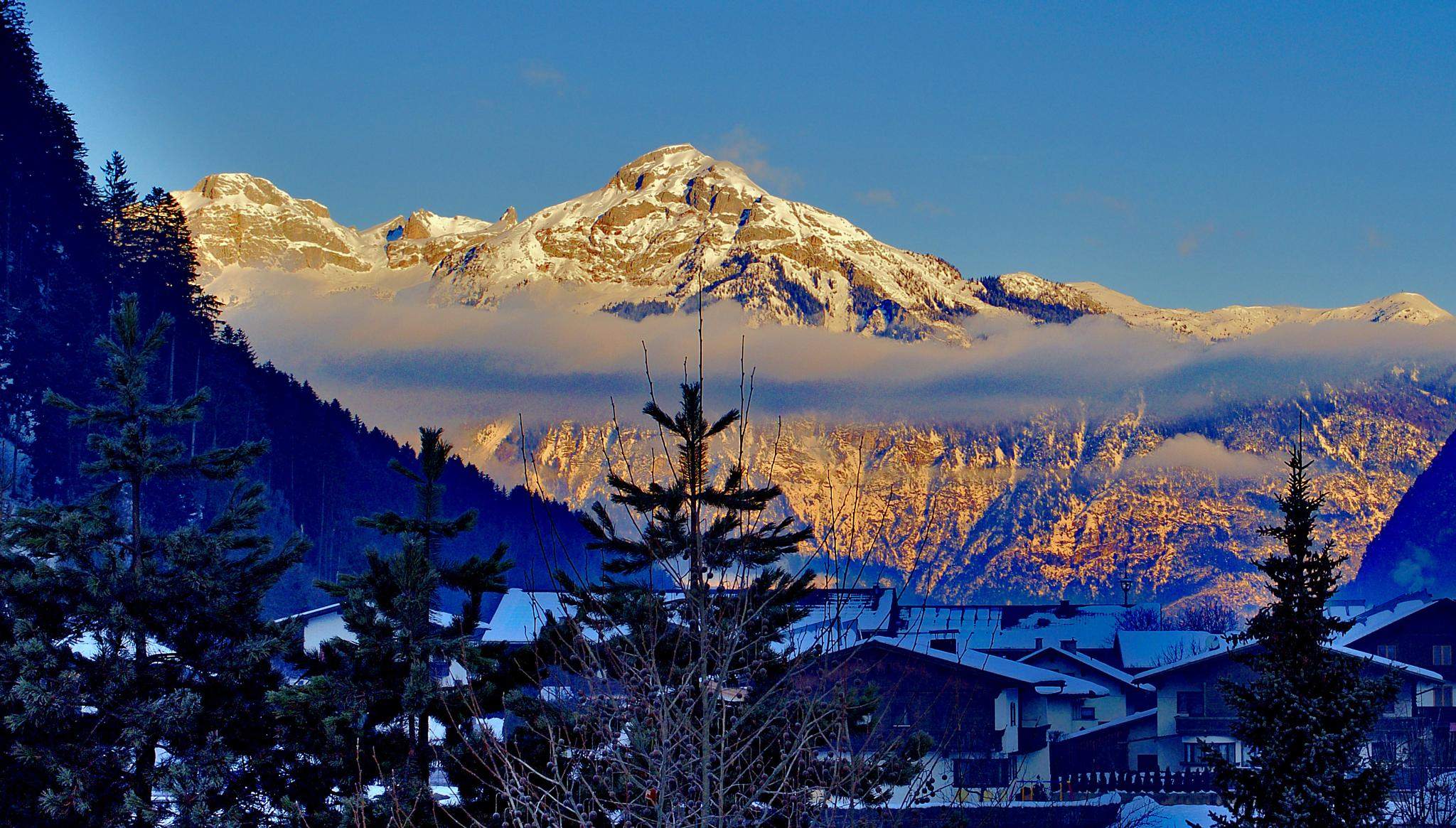 Clear morning in Austria by Florian B