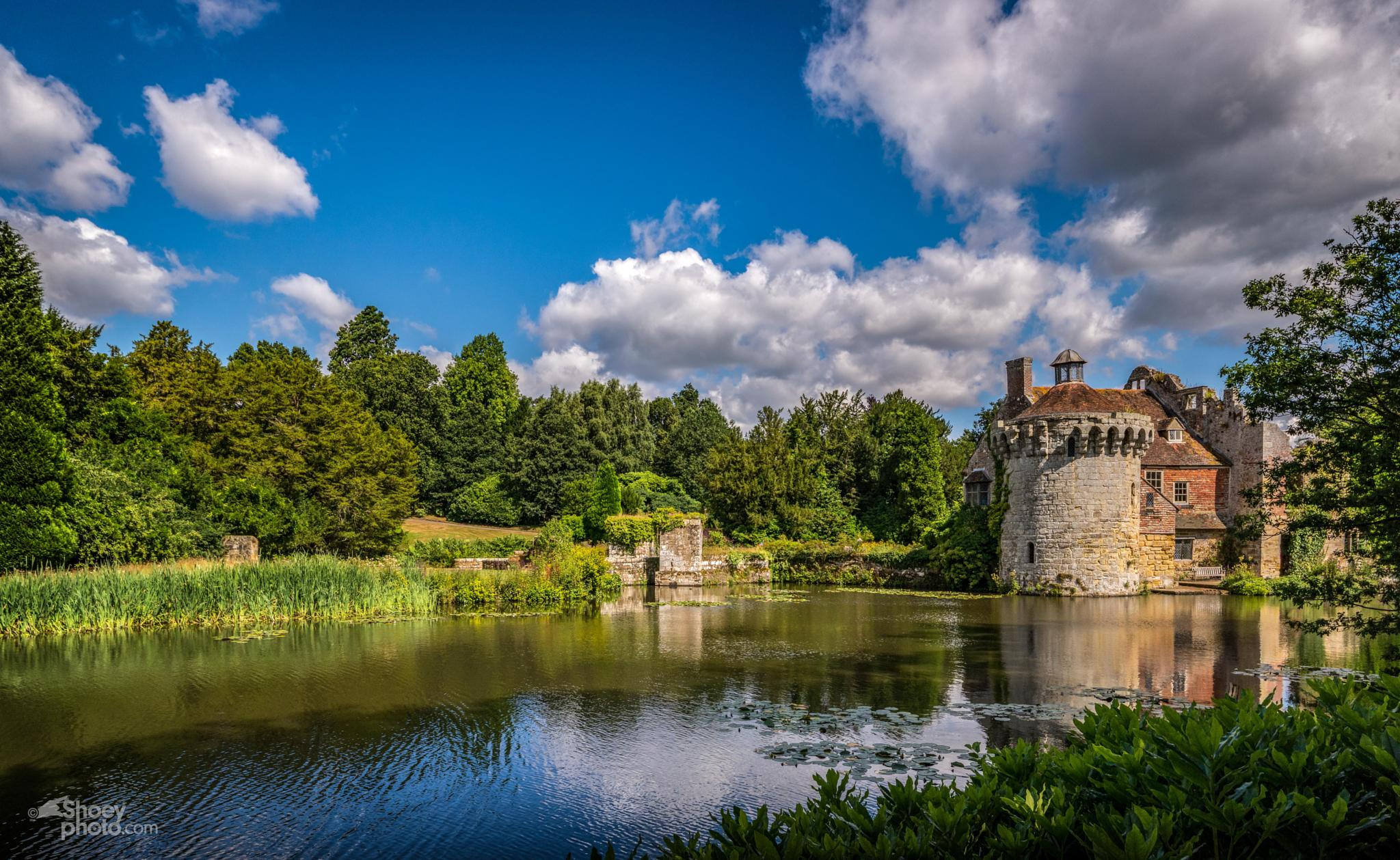 Scotney Castle UK by Shoeyphoto.com
