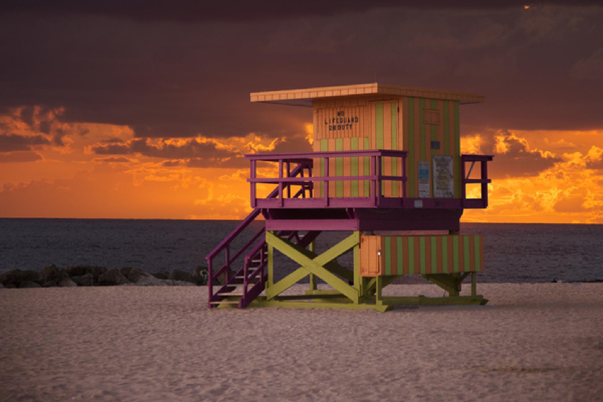 Beach by Serge Kay