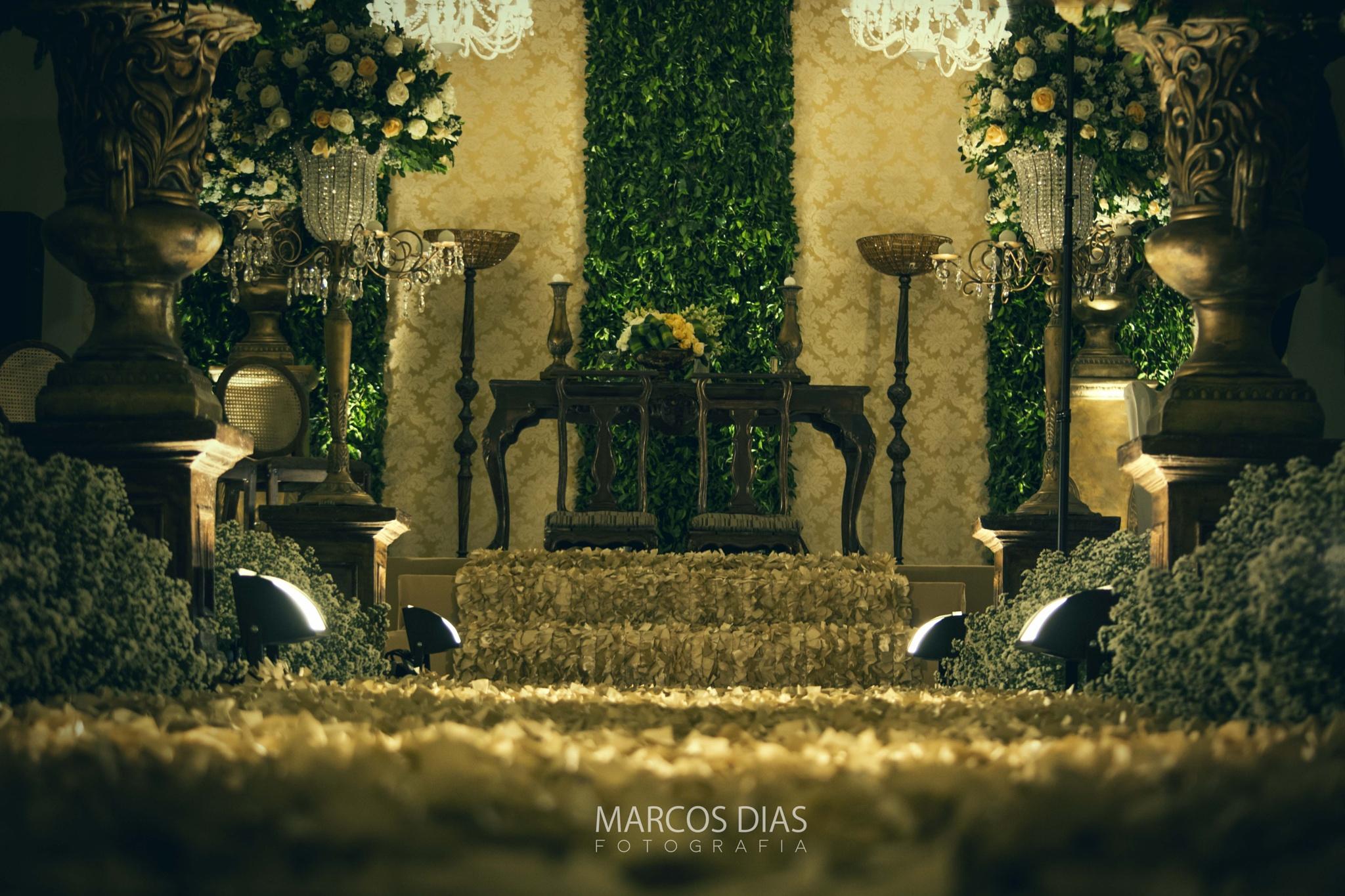 The bride's way by Marcos Dias