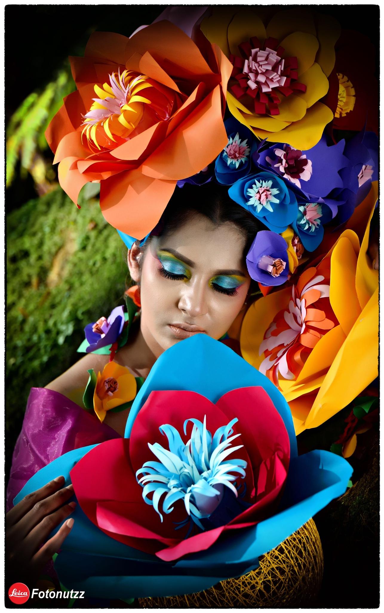 Paper flowers by Fotonutzz