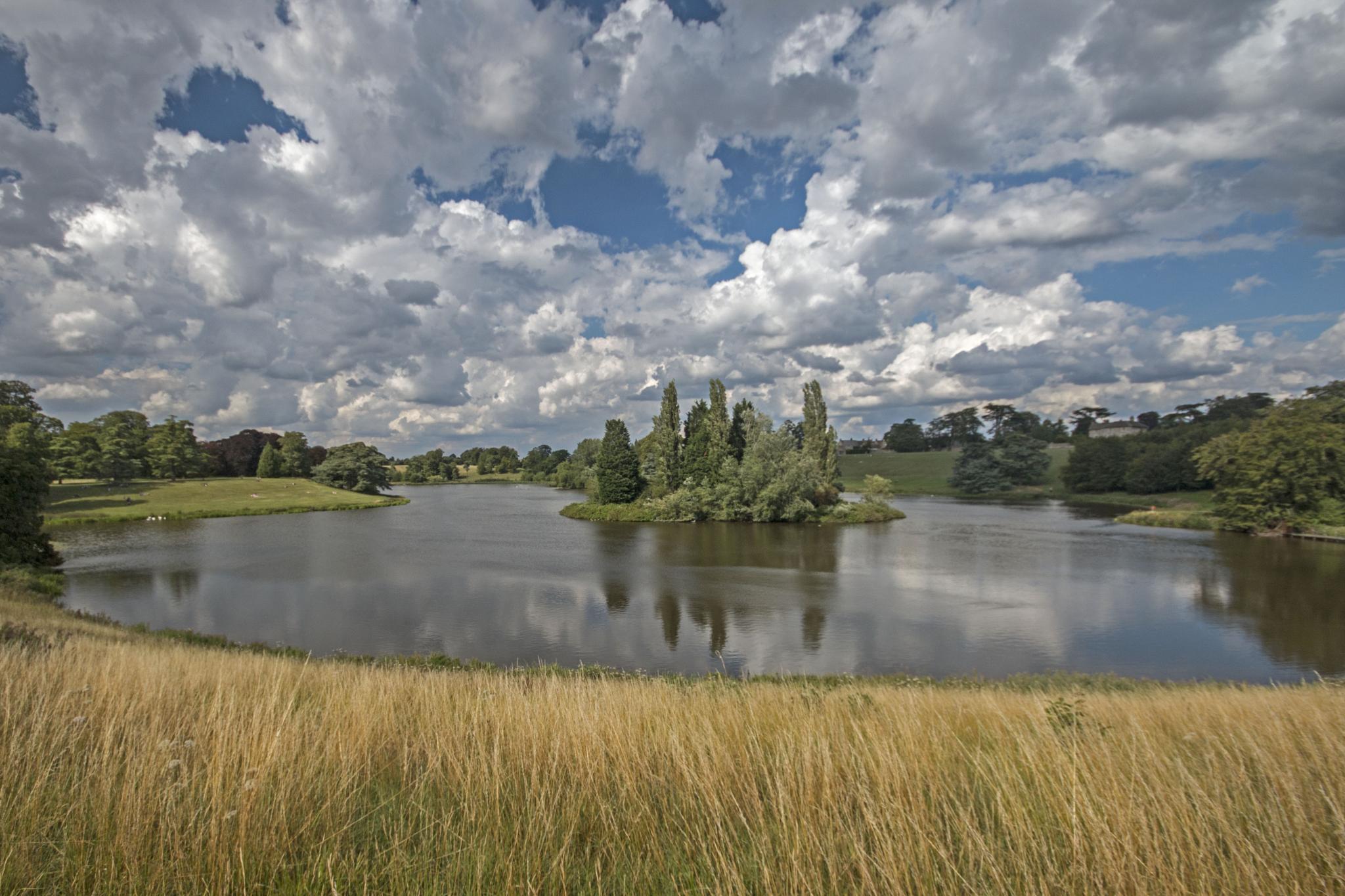 The lake at Blenheim by john.cavana