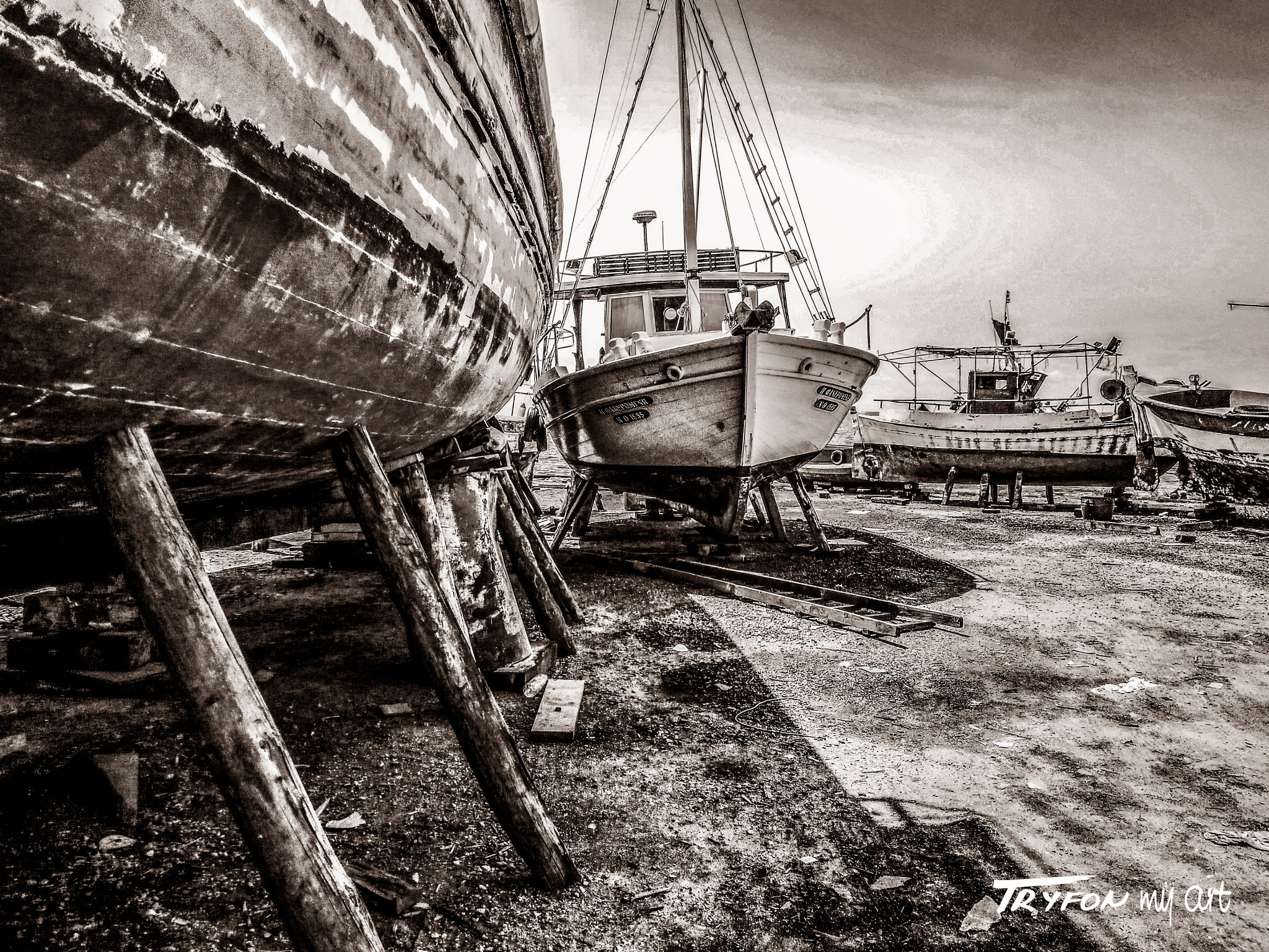 Carnayo - 02. by tryfongraphics