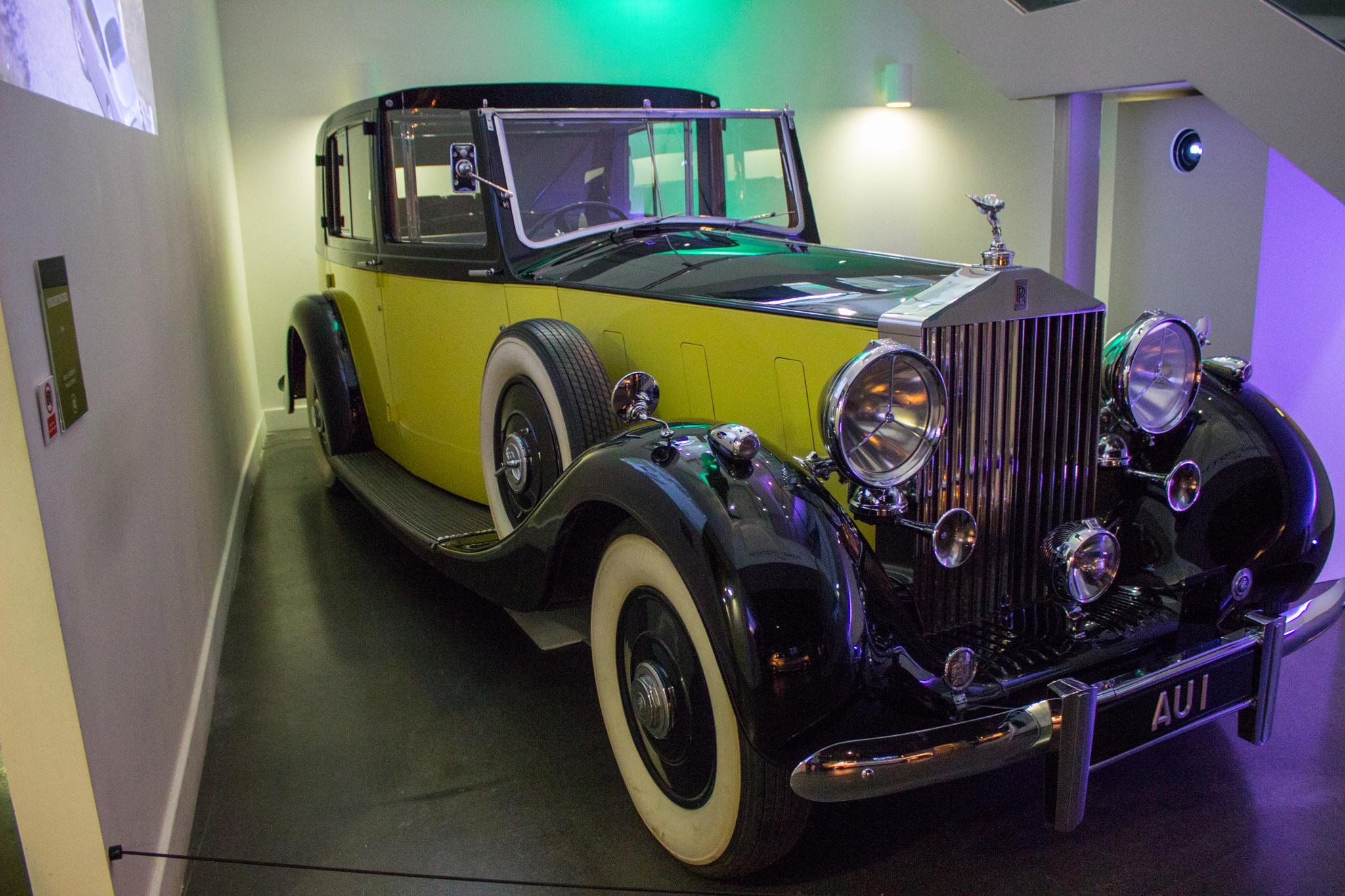 Goldfingers Rolls-Royce Phantom III  by Specky666