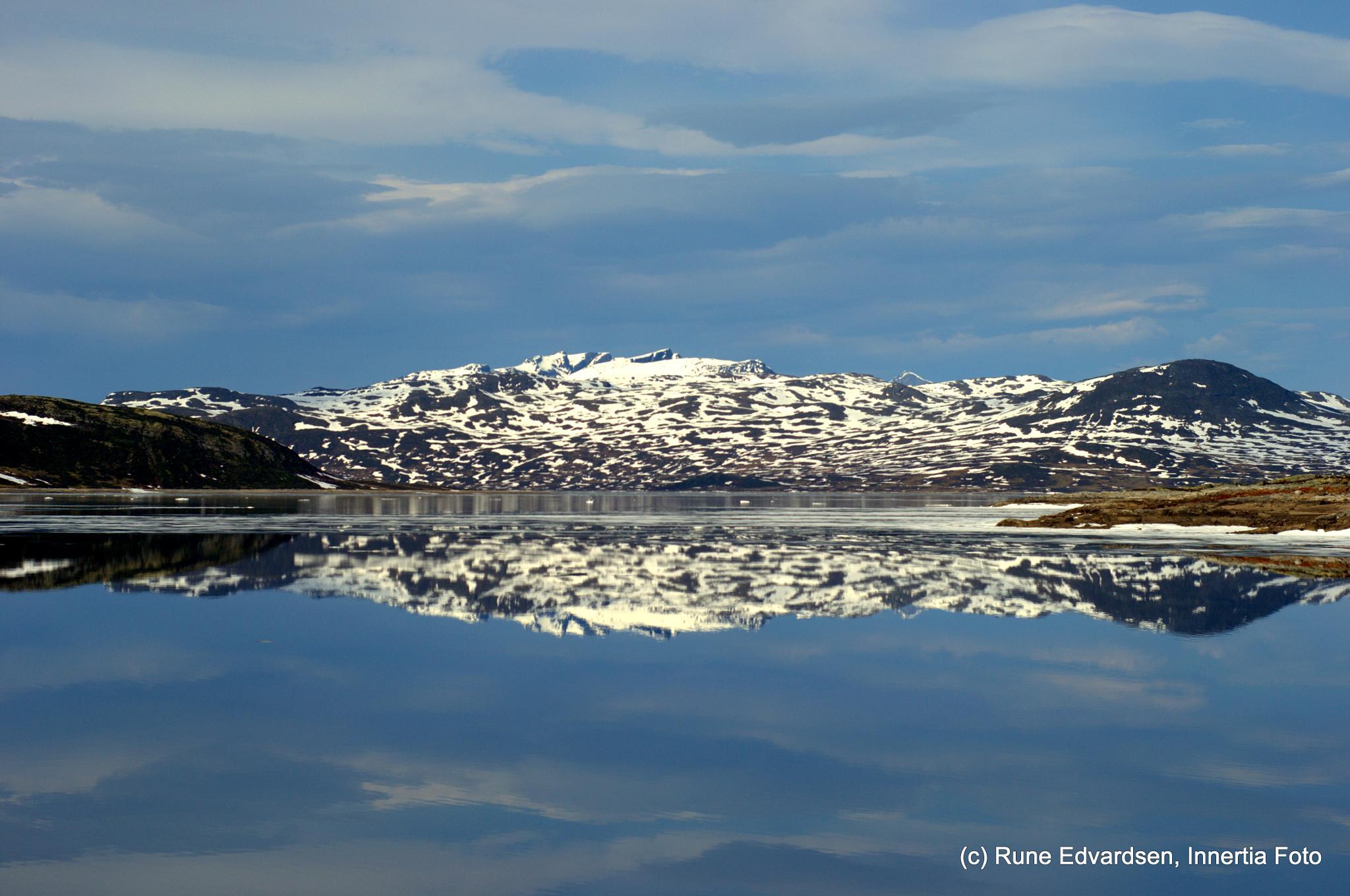 Reflections of a Troll mountain by runaldo1