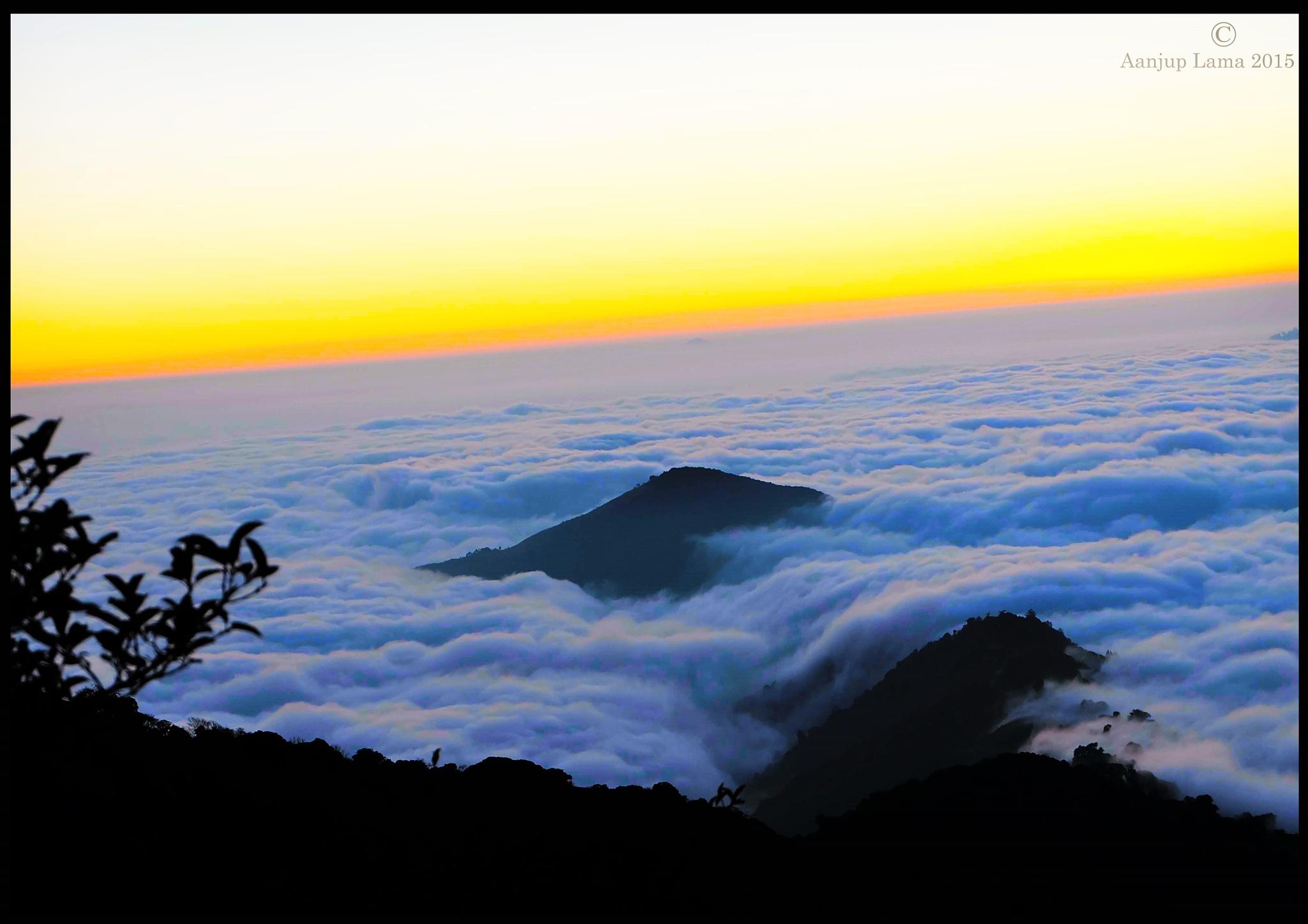 Ocean of cloud by Aanjup
