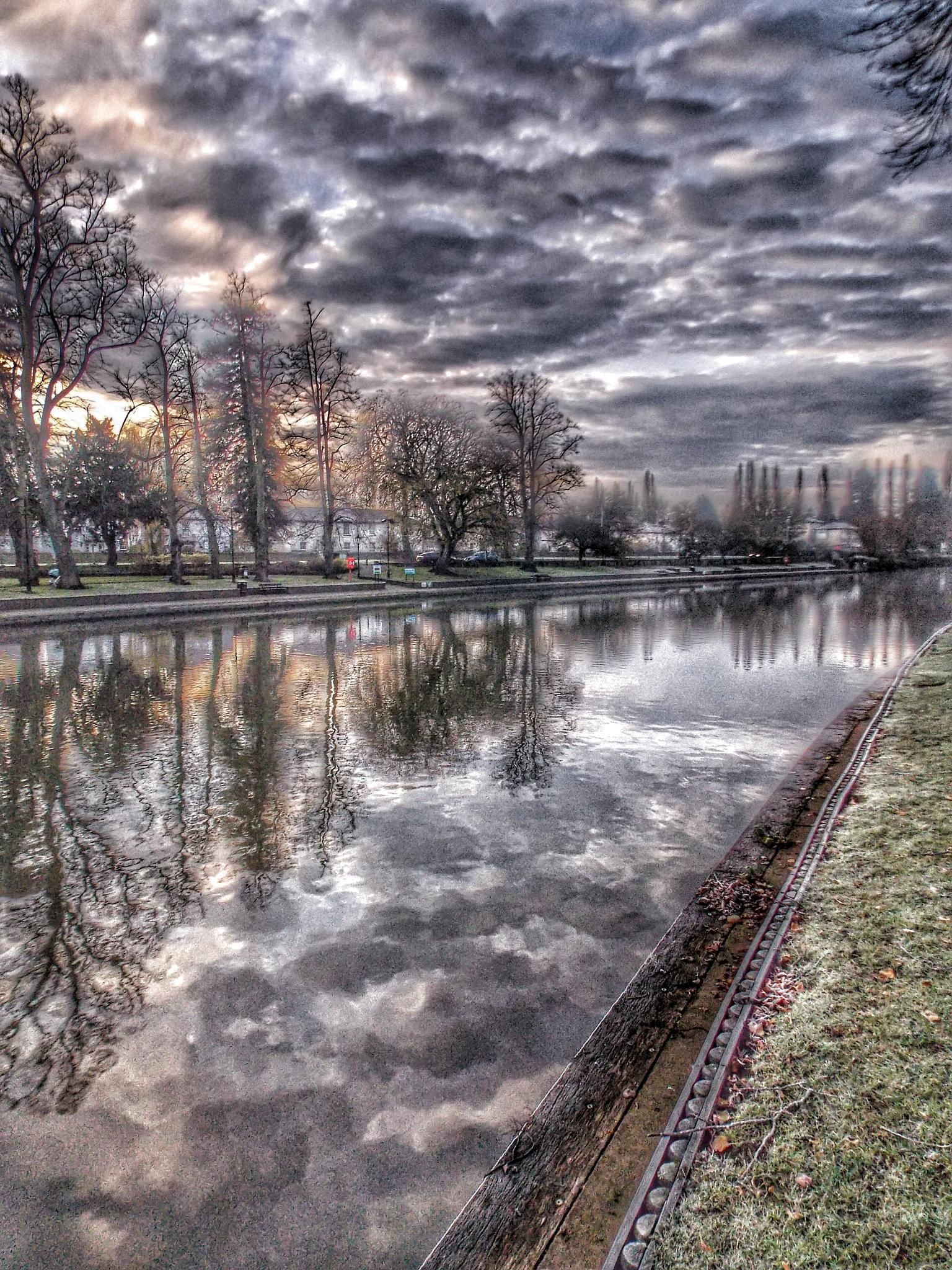 River Avon  by David65