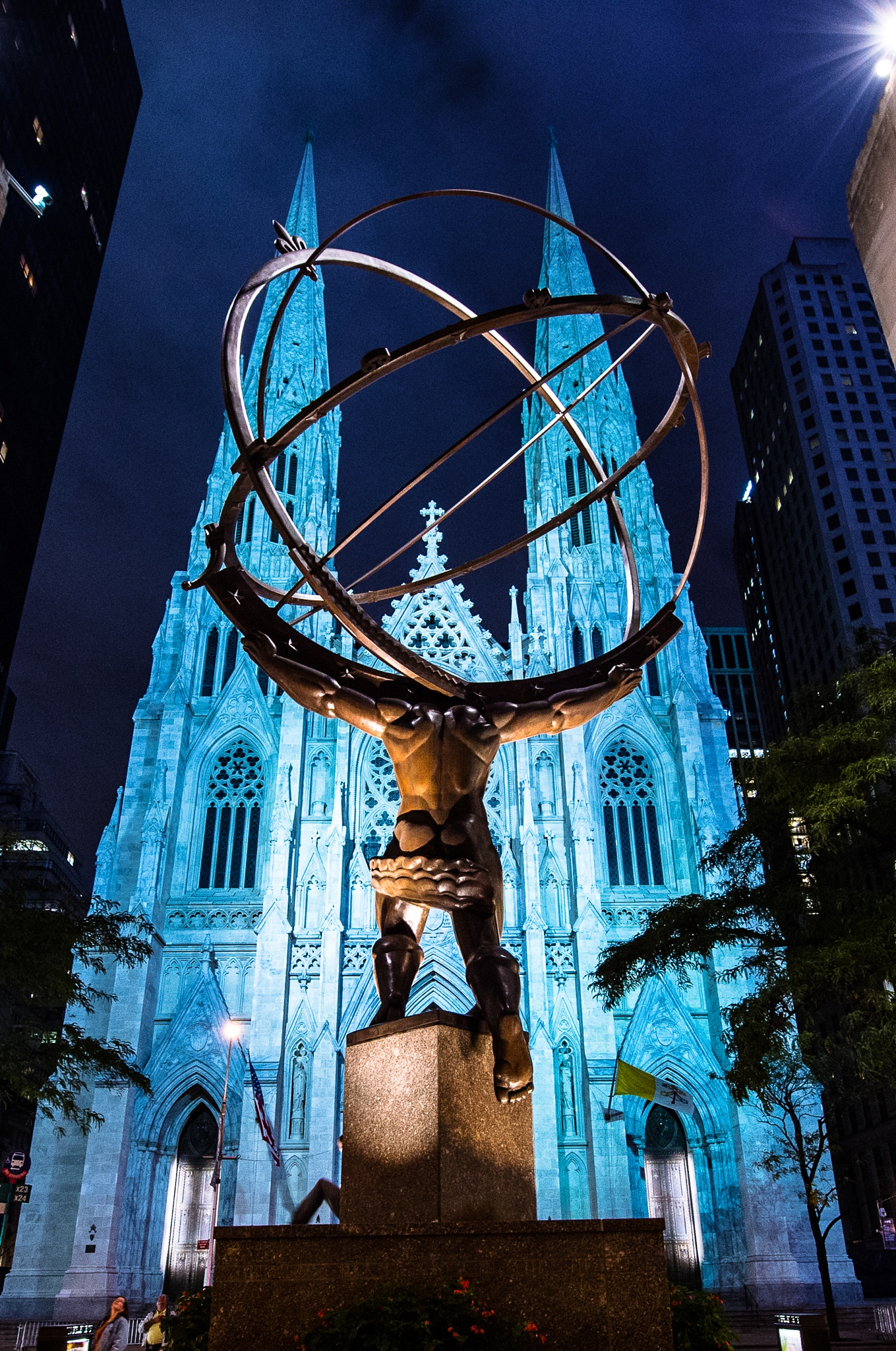 Rockefeller plaza / St. Patrick's Cathedral in New York City! by Danny Pham