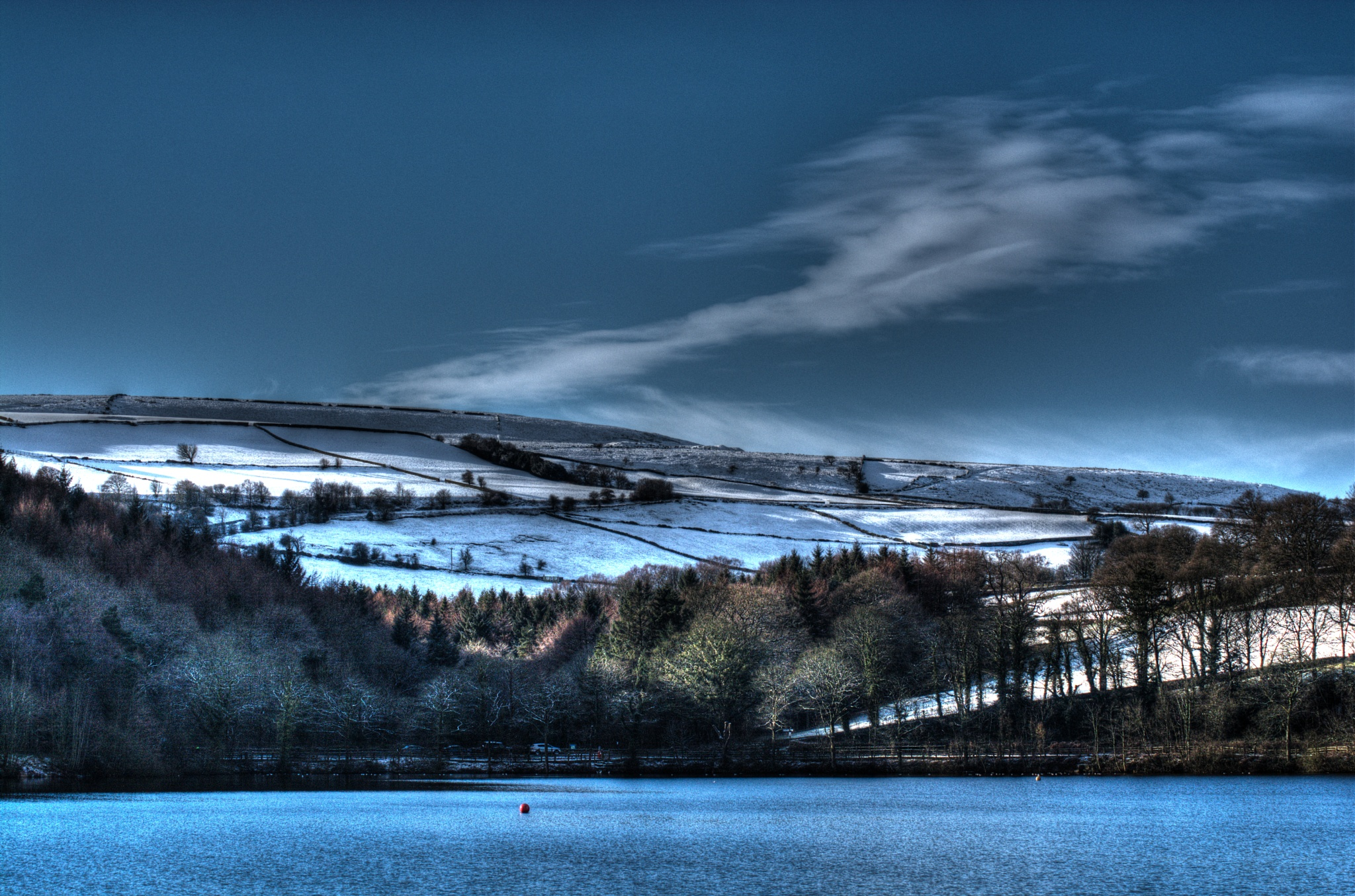 winter lake landscape sheffield by Stuart Robertshaw Photography