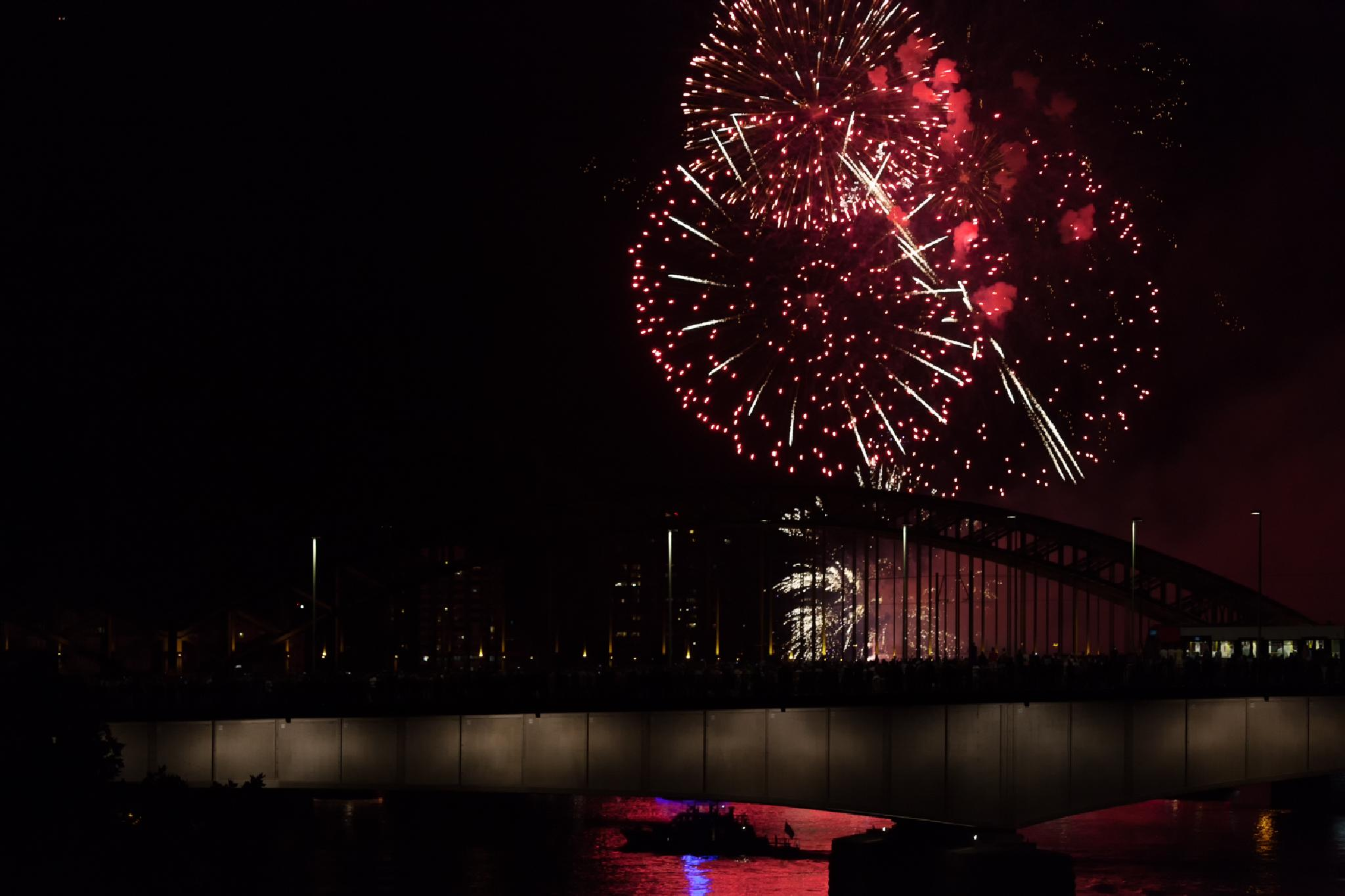 fireworks by rainereichlinger