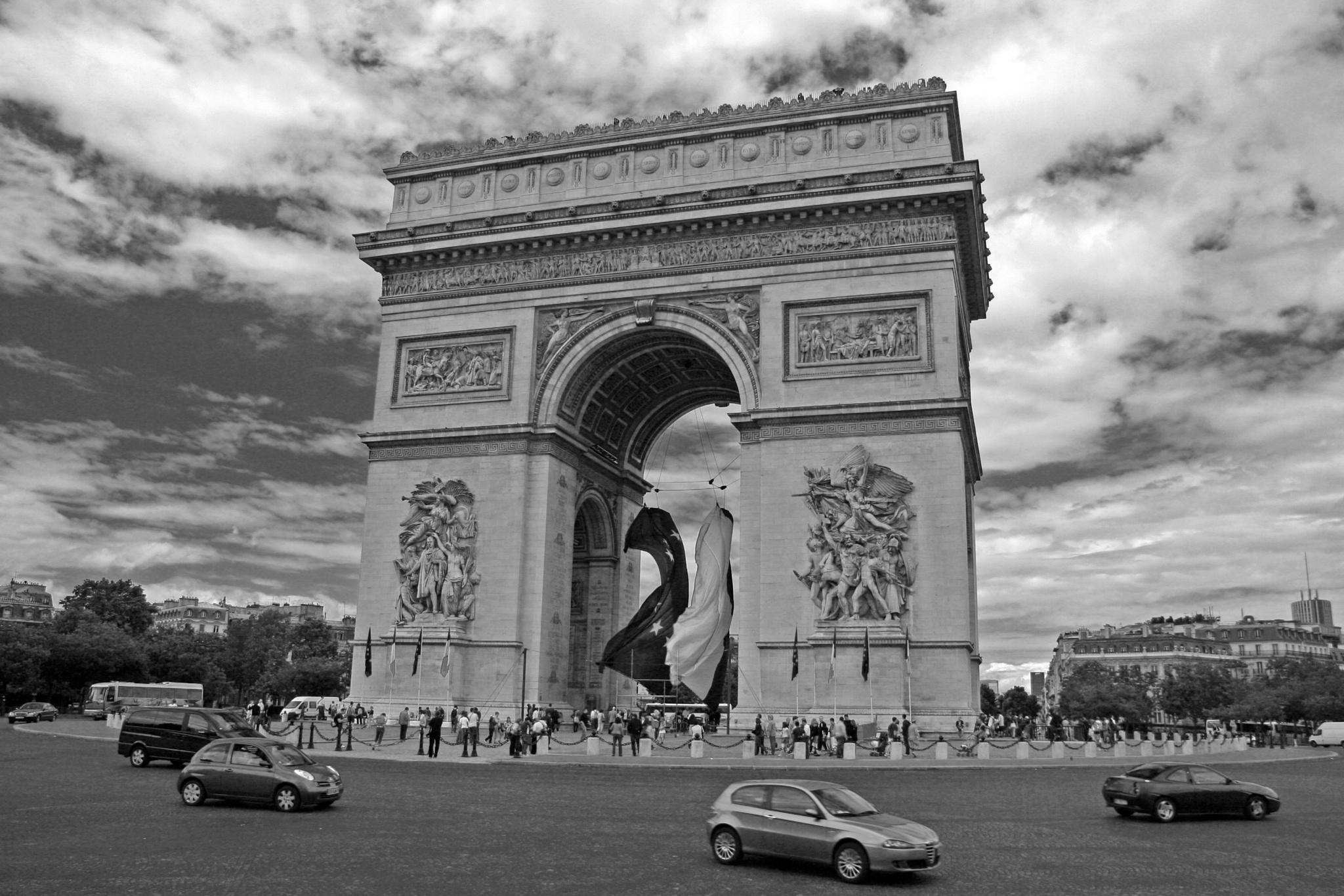 Arc de Triomphe by Barry Melamed
