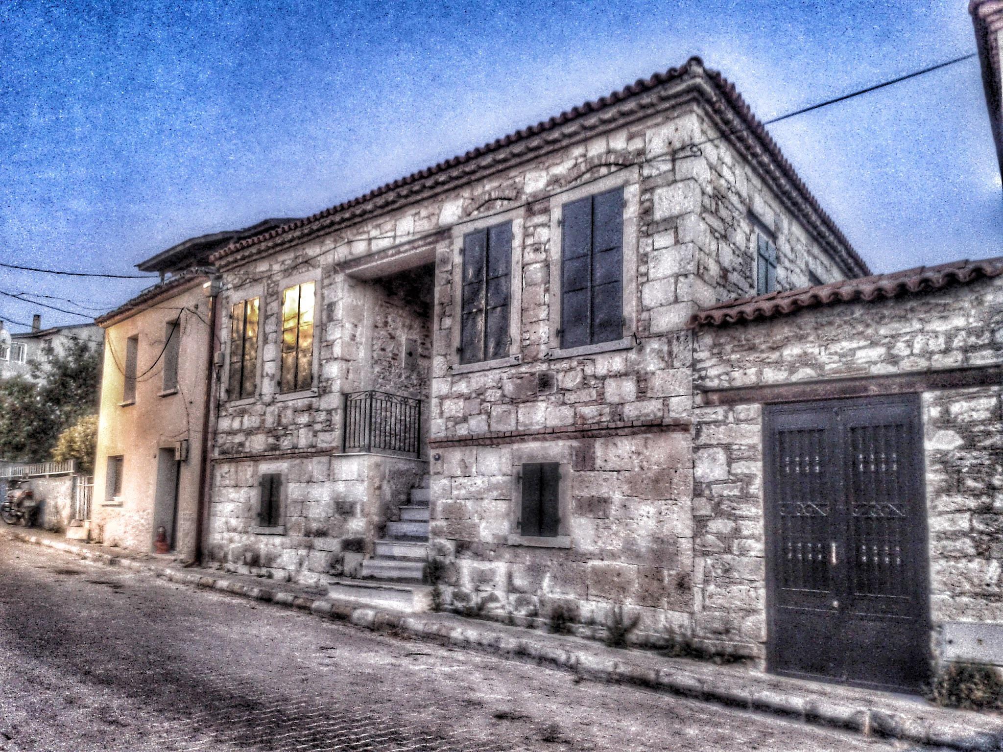 Old house in Urla by Meriç Aksu