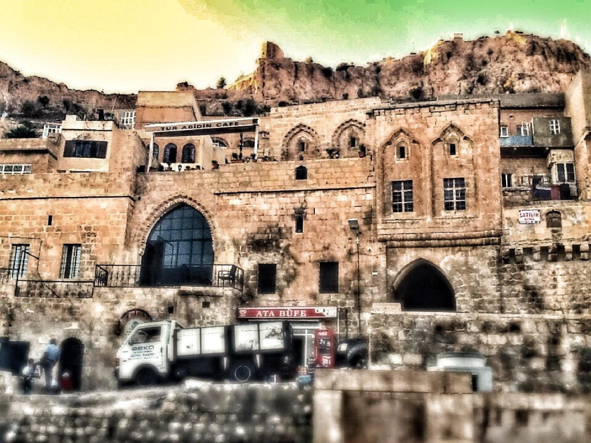 The centre of old Mardin by Meriç Aksu
