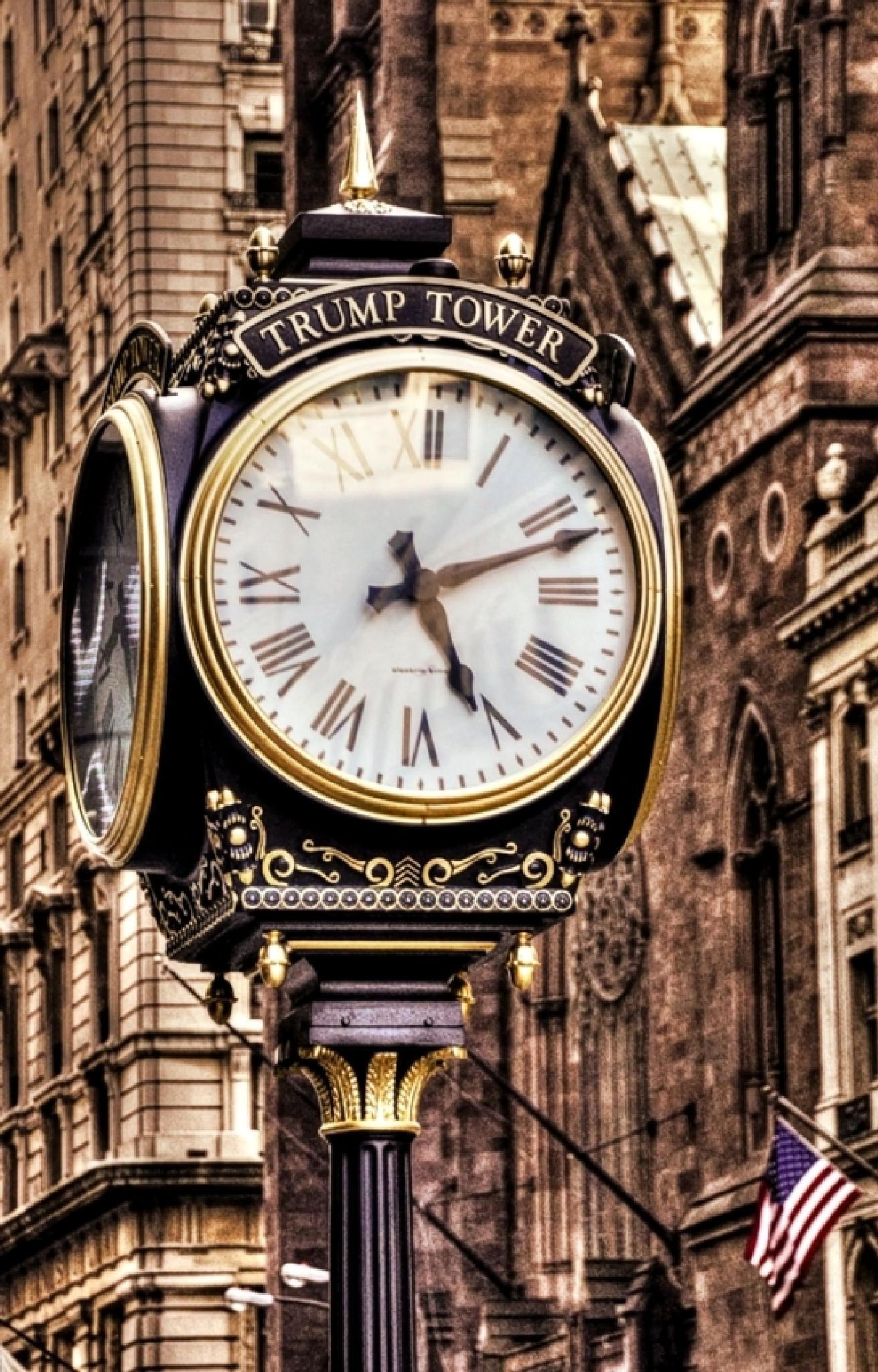 Wealth Time by Edu Vergara