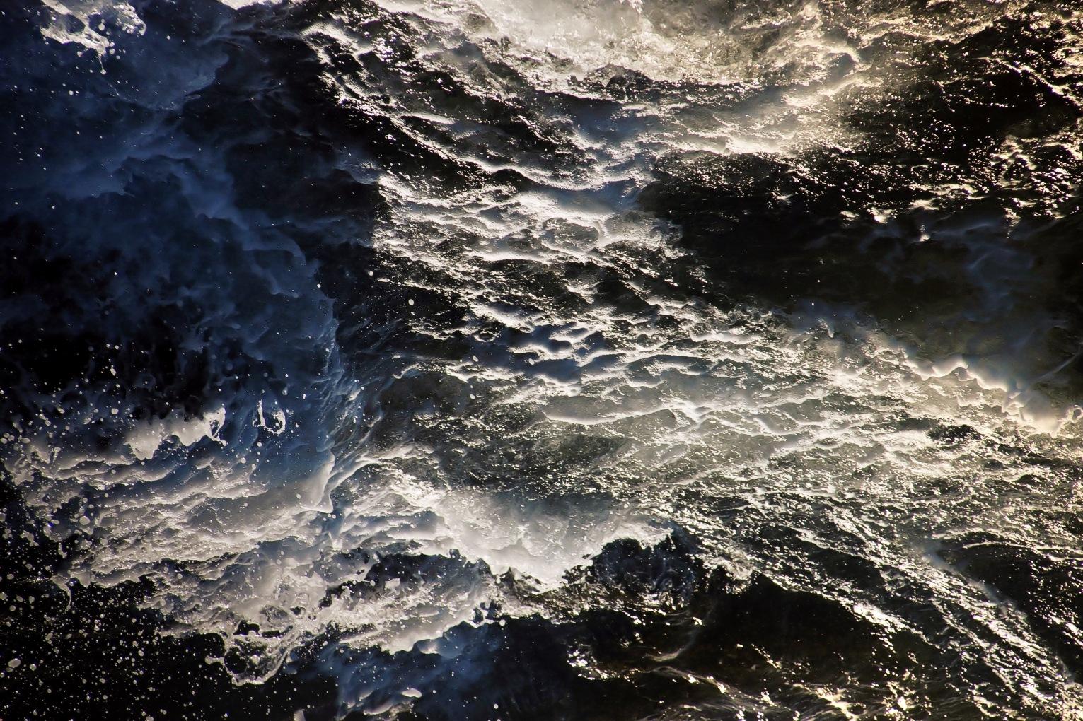 Reversal in the High Seas by Edu Vergara